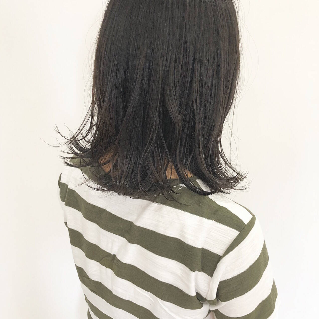黒髪 ナチュラル 外ハネ ミディアムヘアスタイルや髪型の写真・画像