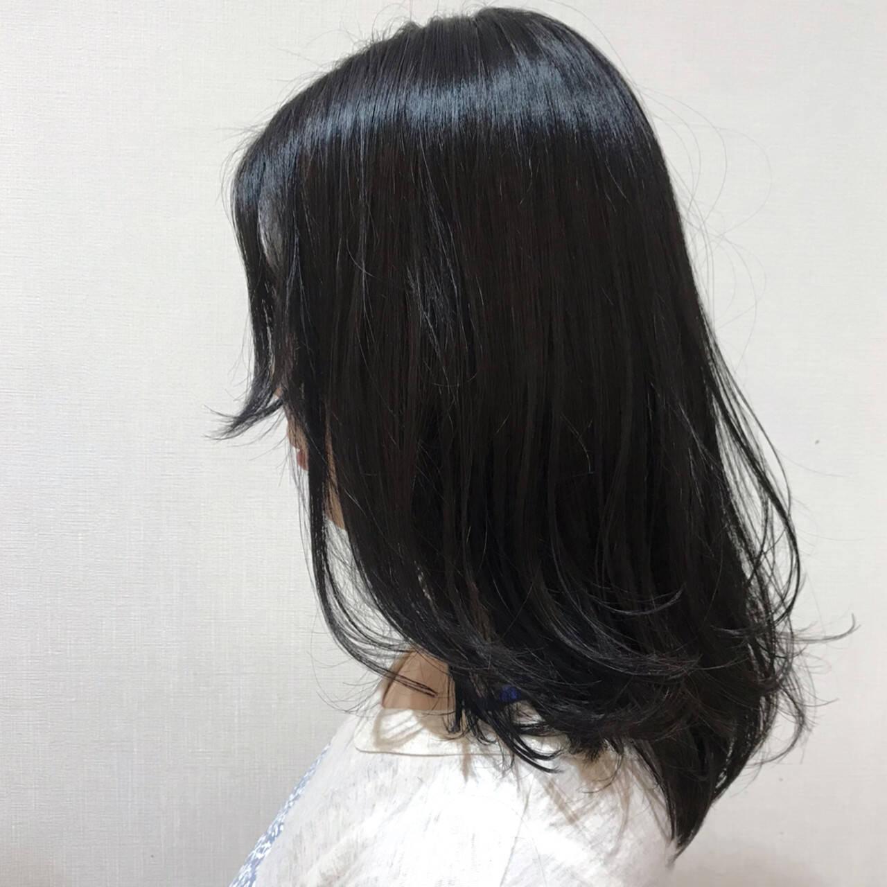 ネイビーブルー デート なんちゃって黒染め ワンカールヘアスタイルや髪型の写真・画像