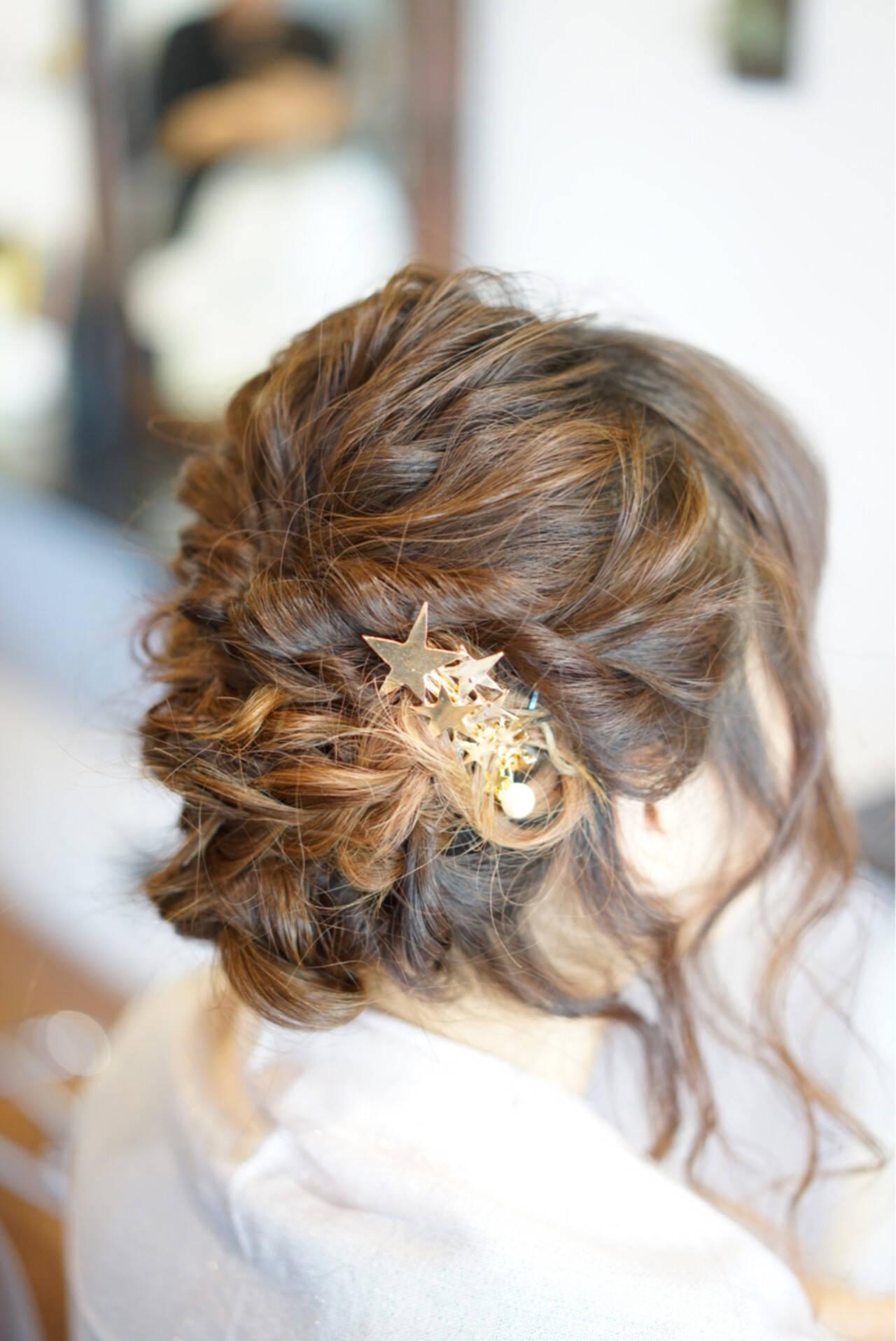 簡単ヘアアレンジ ねじり 編み込み ヘアアレンジヘアスタイルや髪型の写真・画像