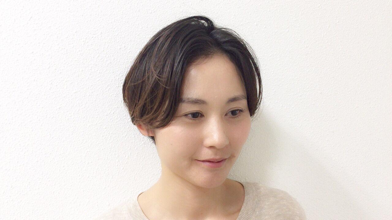 ナチュラル 大人女子 ショート かっこいいヘアスタイルや髪型の写真・画像