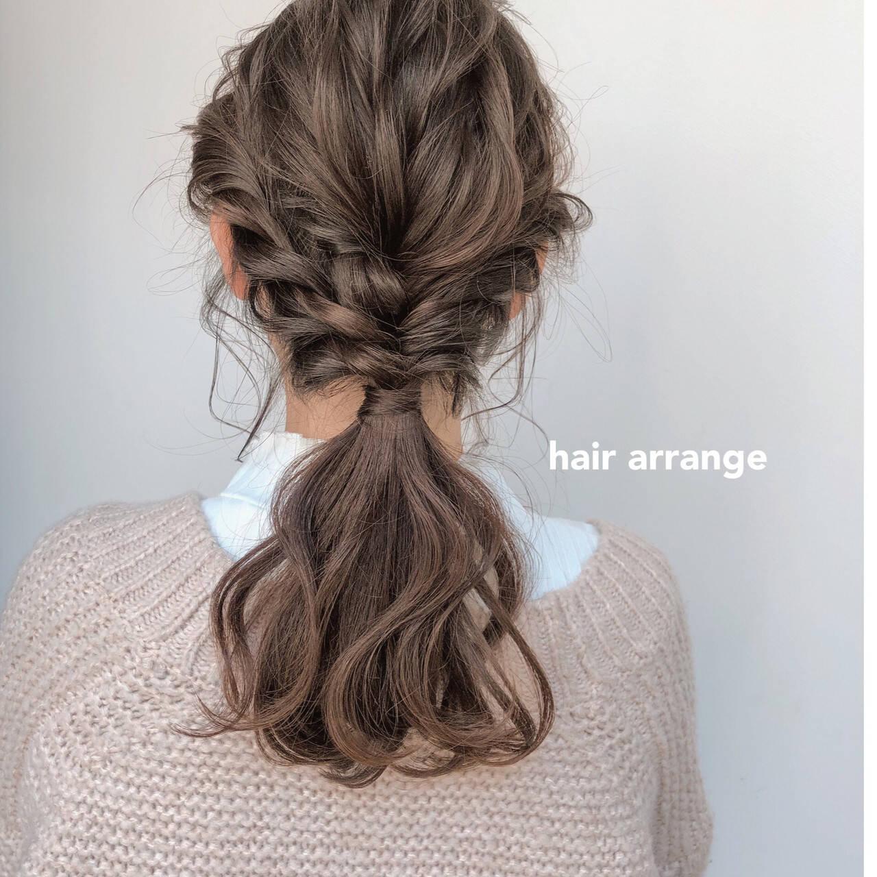 ヘアアレンジ セミロング ベージュ アンニュイほつれヘアヘアスタイルや髪型の写真・画像