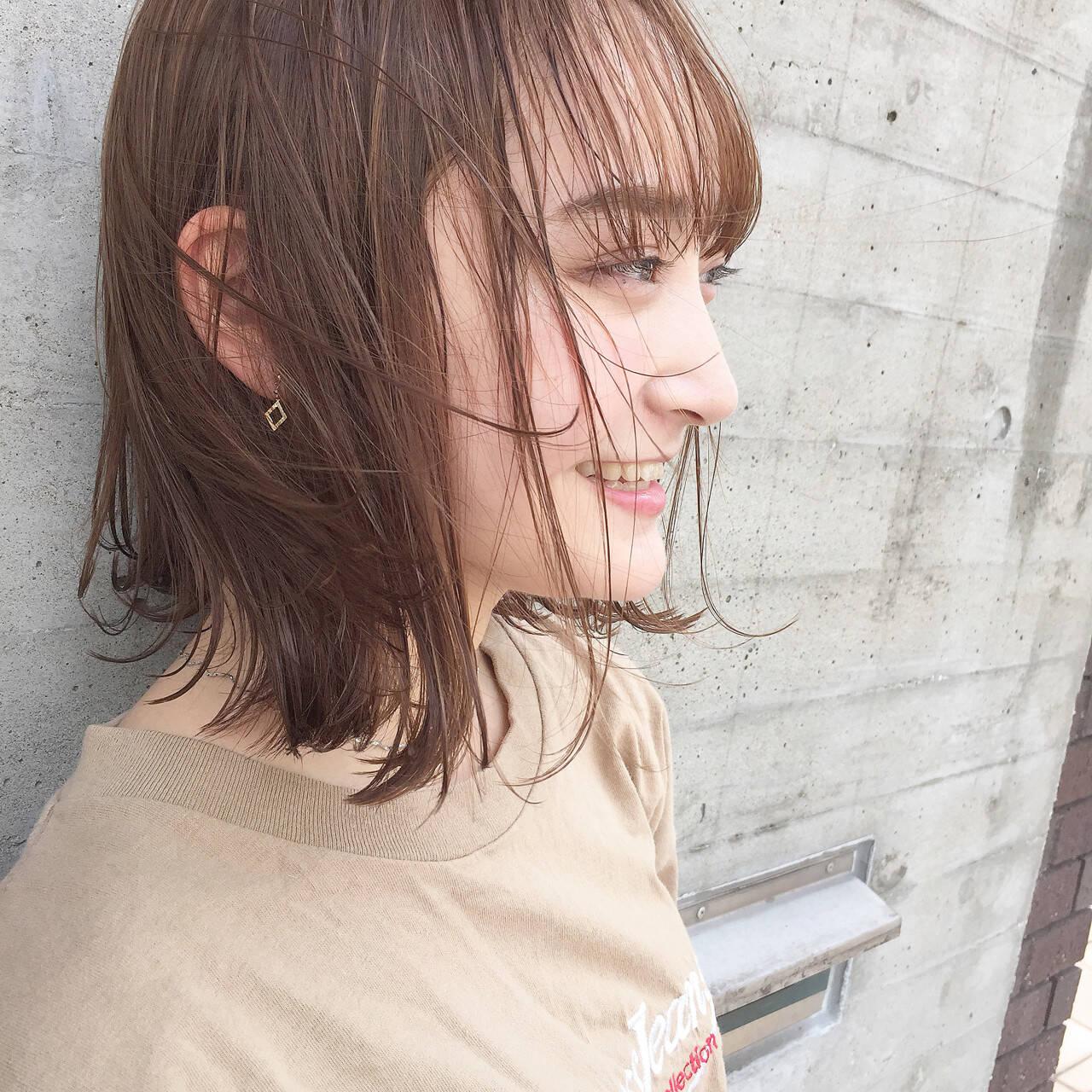 透明感 外ハネ ボブ ナチュラルヘアスタイルや髪型の写真・画像