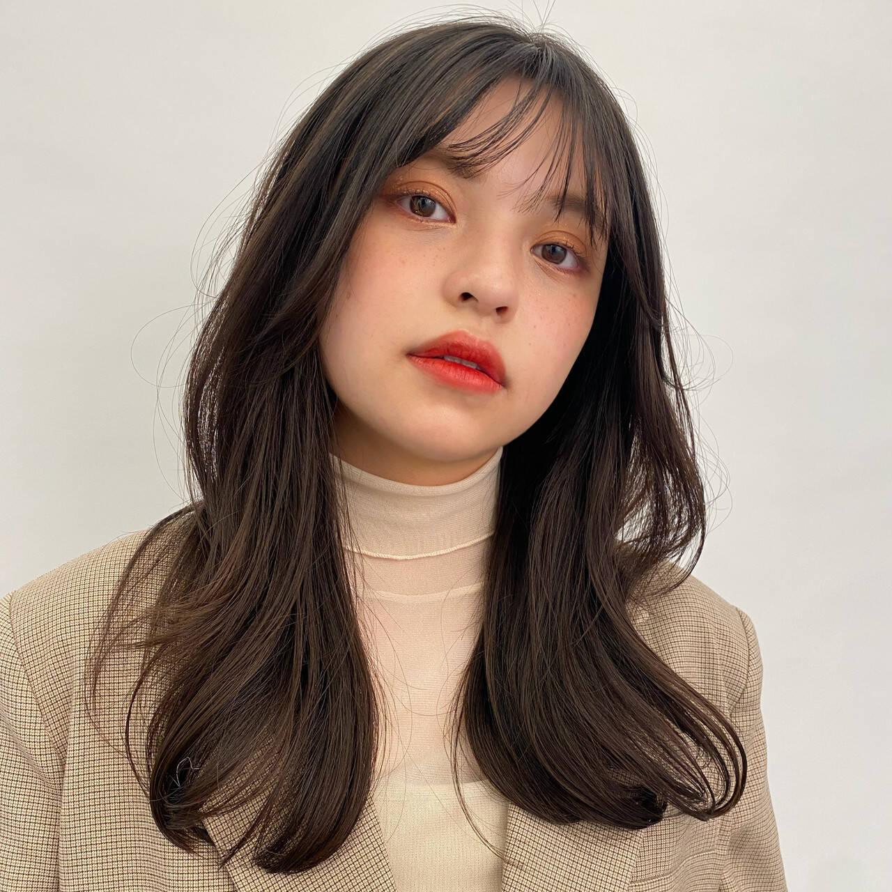 ロングヘア セミロング 韓国ヘア ナチュラルヘアスタイルや髪型の写真・画像