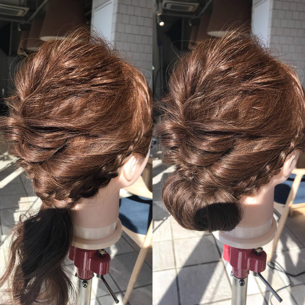 編み込み ナチュラル セミロング くるりんぱヘアスタイルや髪型の写真・画像
