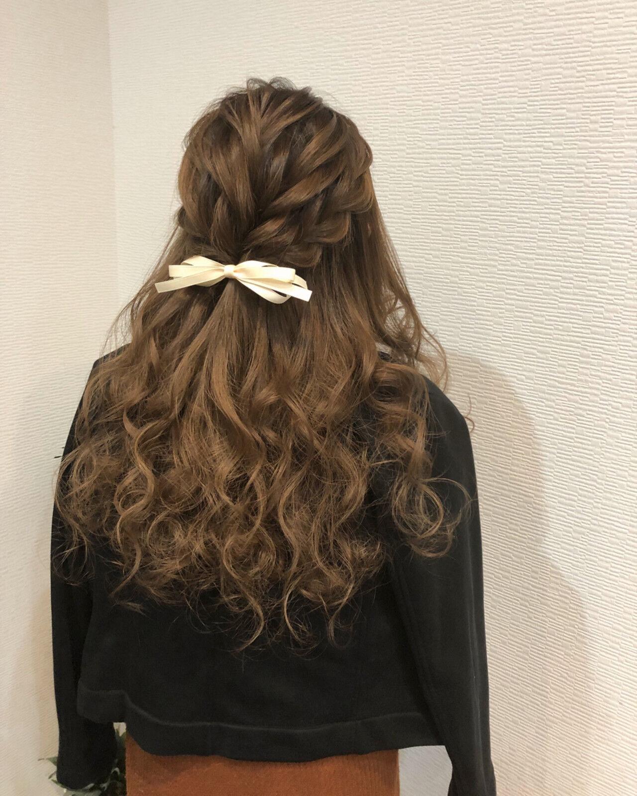 ロング ガーリー 編み込み ハーフアップヘアスタイルや髪型の写真・画像