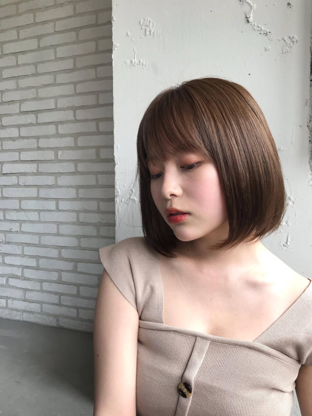 シースルーバング ひし形シルエット デジタルパーマ コンサバヘアスタイルや髪型の写真・画像