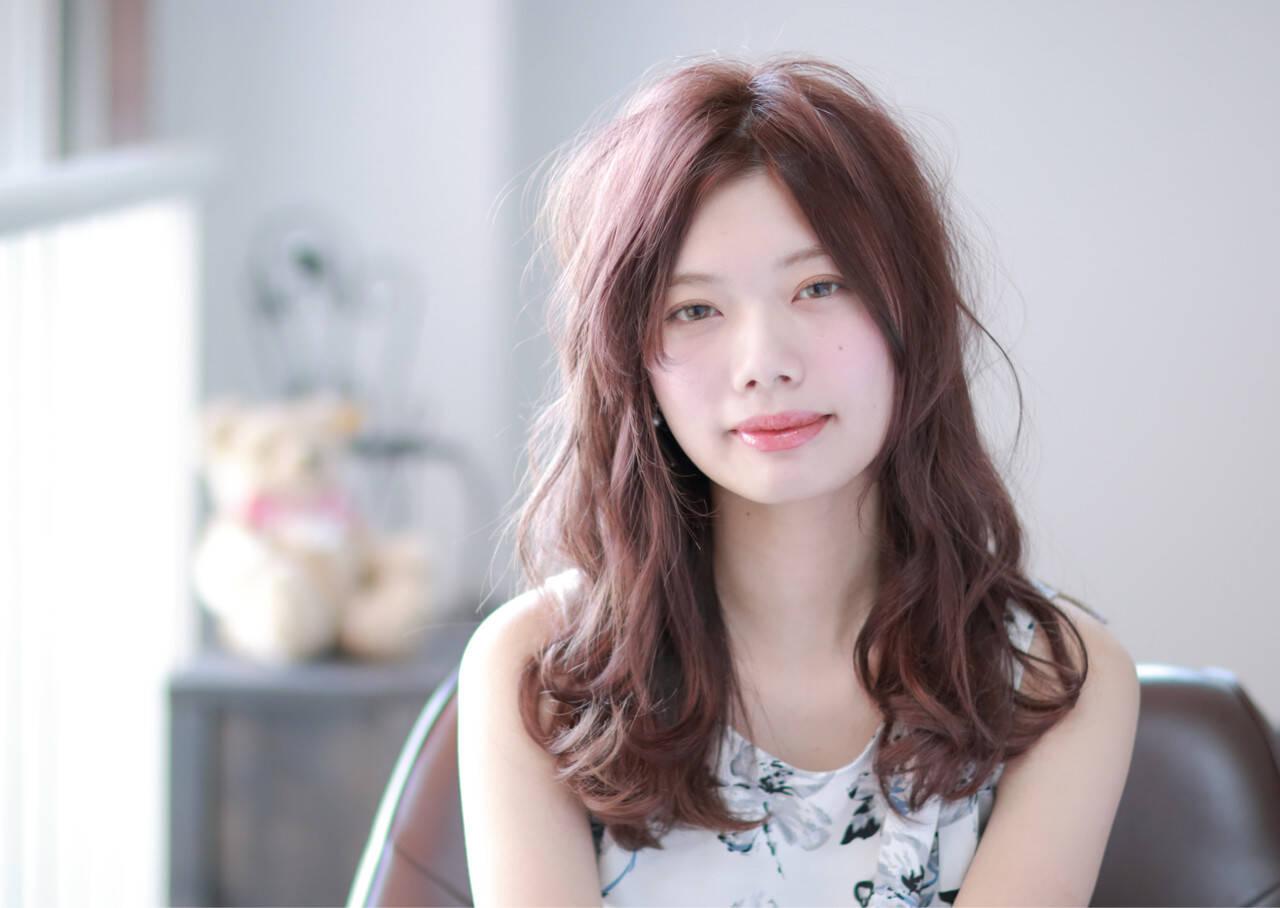 ピンク ピンクアッシュ フェミニン 外国人風ヘアスタイルや髪型の写真・画像