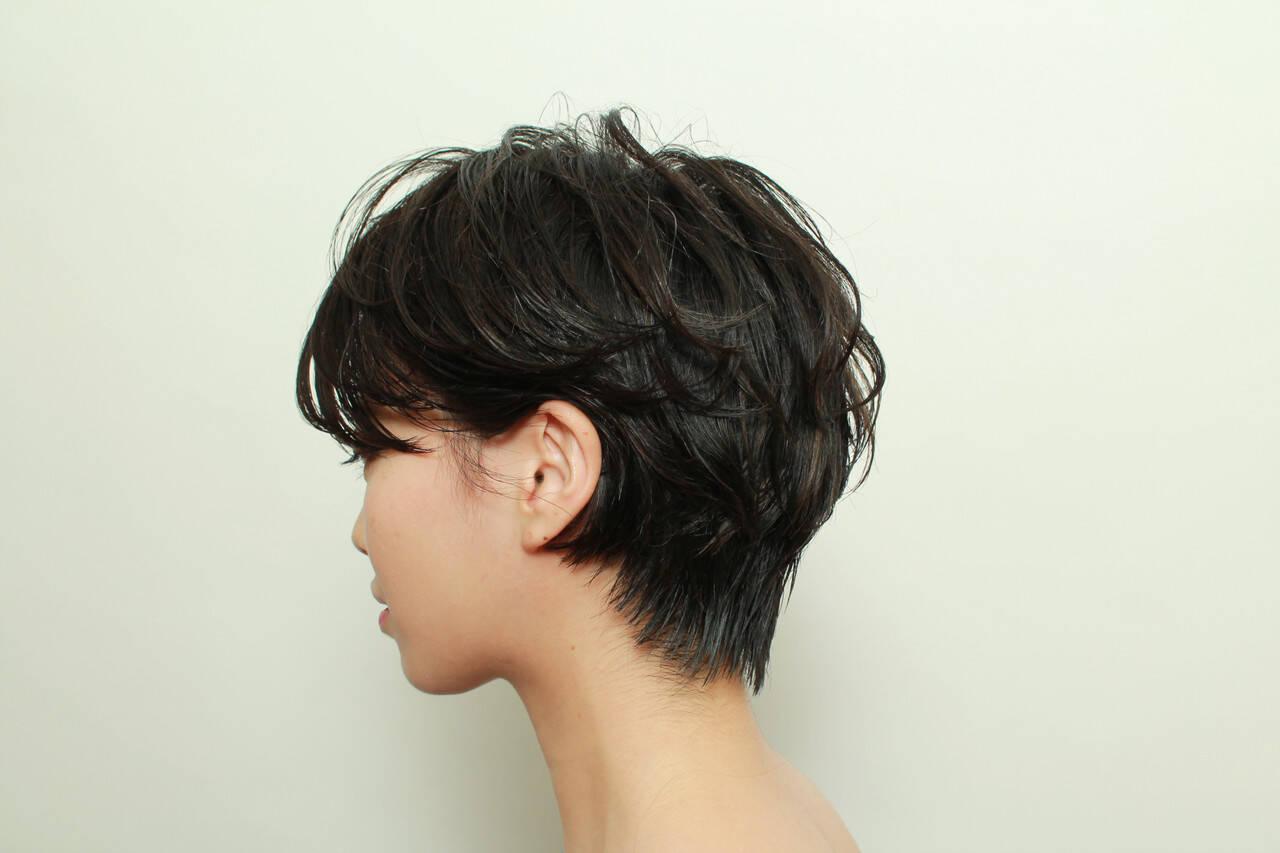 ナチュラル パーマ デート アウトドアヘアスタイルや髪型の写真・画像