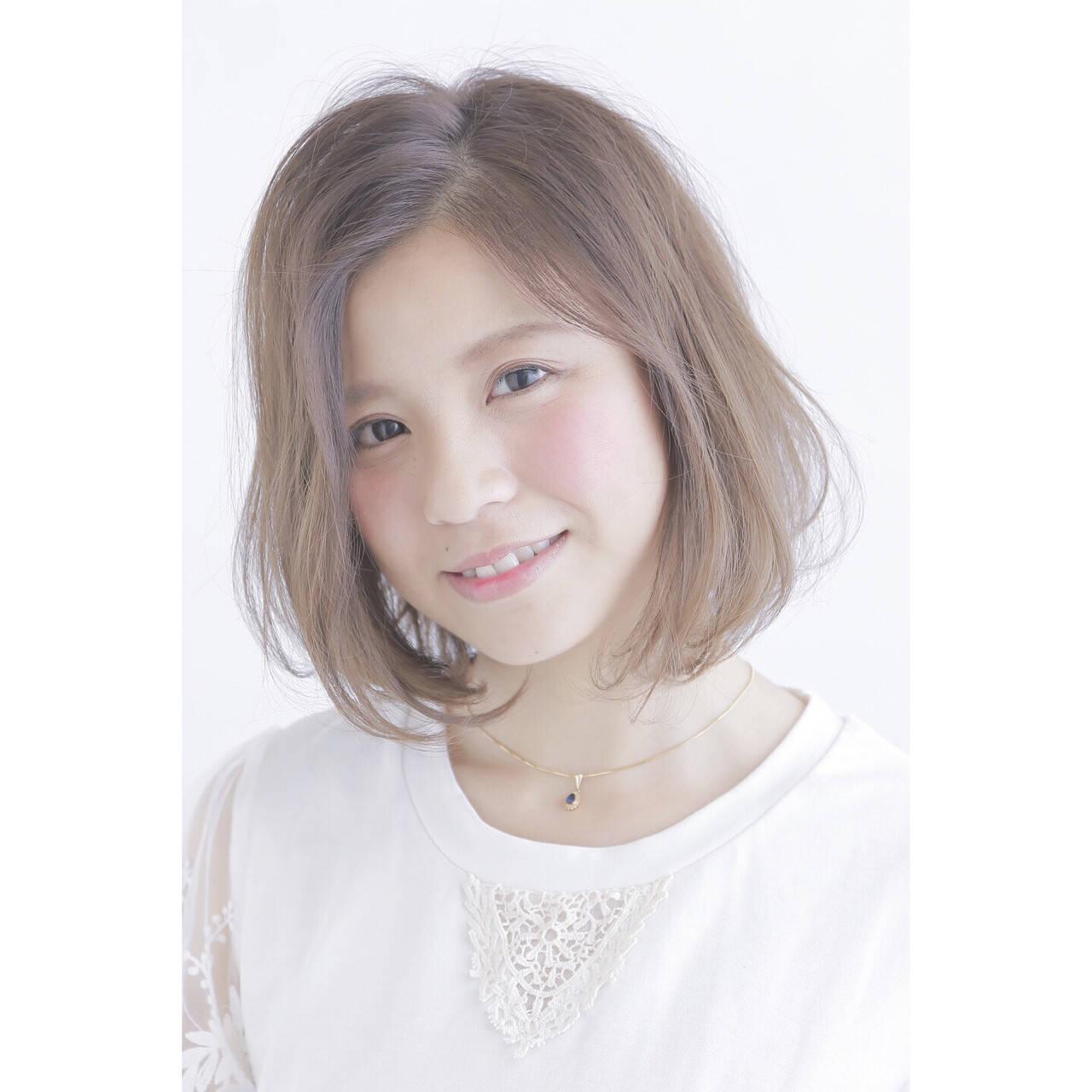 スモーキーアッシュ ピュア ボブ 外国人風ヘアスタイルや髪型の写真・画像