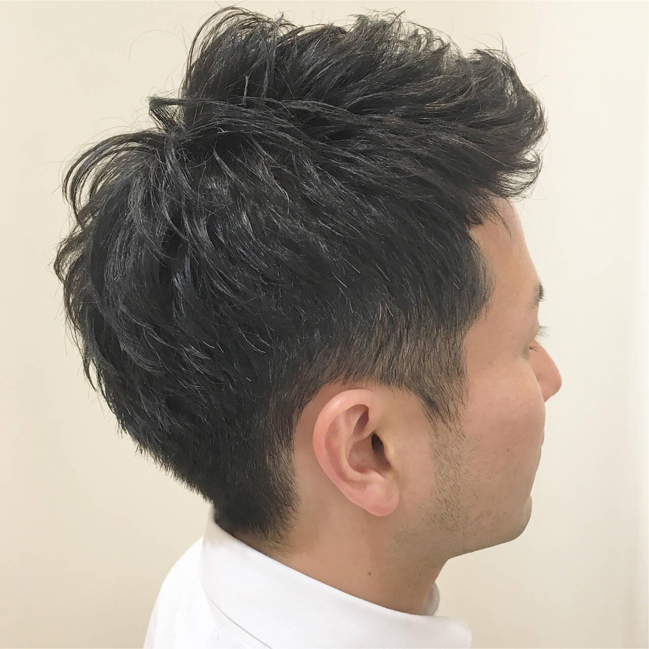 刈り上げ アップバング メンズ ツーブロックヘアスタイルや髪型の写真・画像