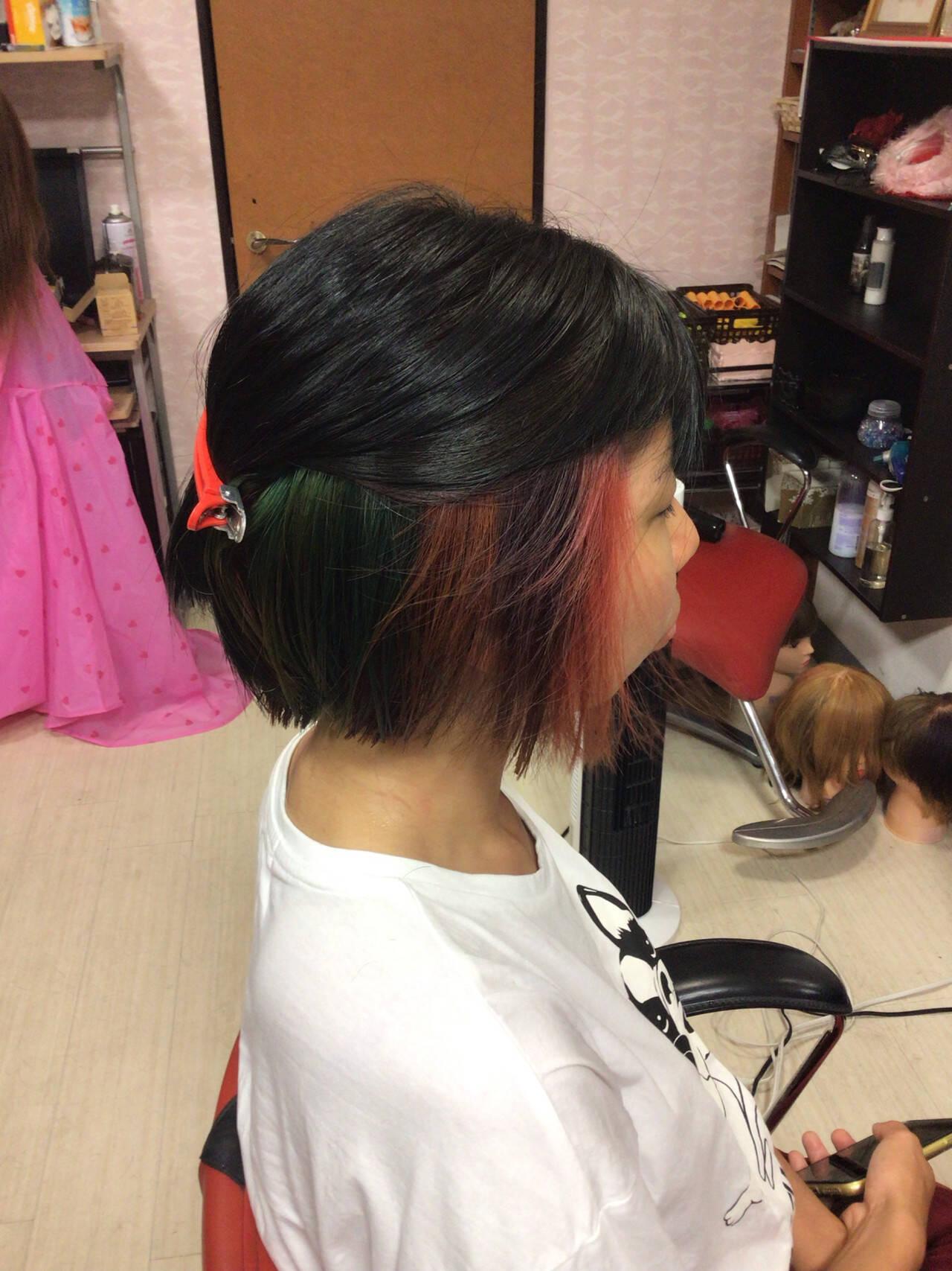 ベリーショート ショートヘア ミニボブ インナーカラーヘアスタイルや髪型の写真・画像