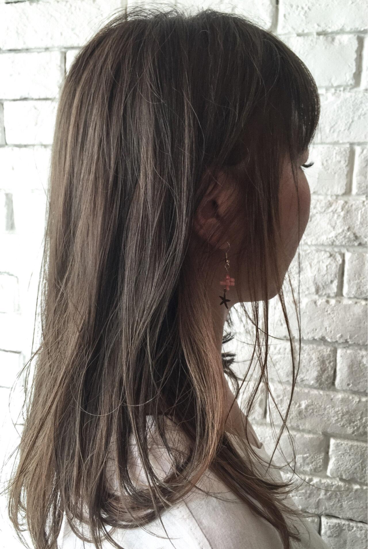 グレージュ インナーカラー 外国人風 ナチュラルヘアスタイルや髪型の写真・画像
