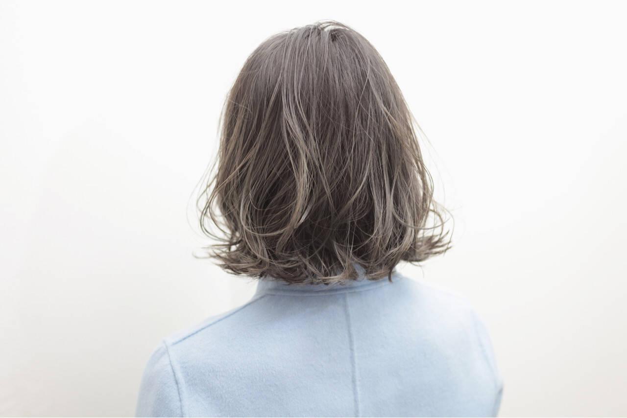 アッシュグレージュ グレージュ アッシュ グラデーションカラーヘアスタイルや髪型の写真・画像