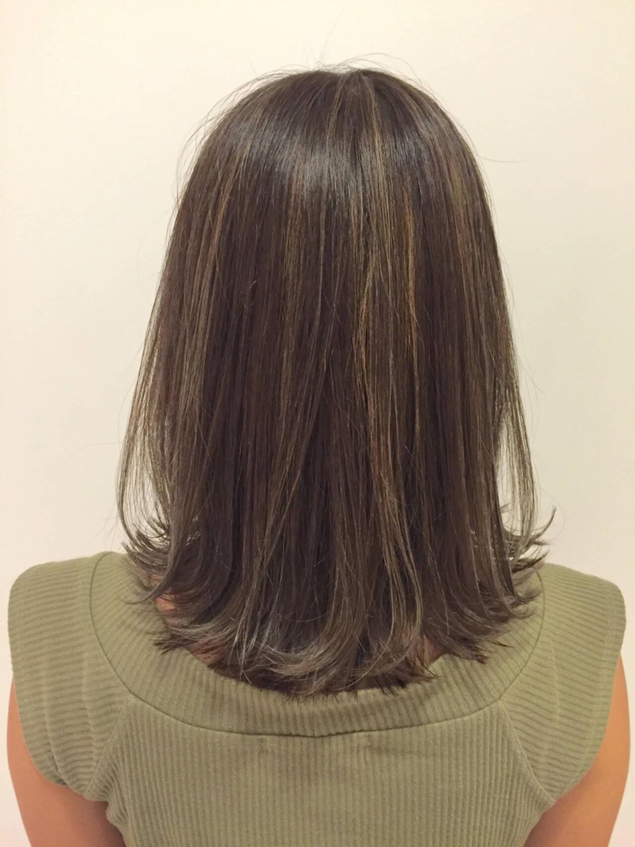 ハイライト ブルージュ ストリート グレージュヘアスタイルや髪型の写真・画像