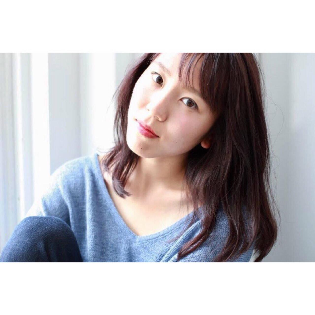 ミディアム リラックス 秋 ピンクヘアスタイルや髪型の写真・画像