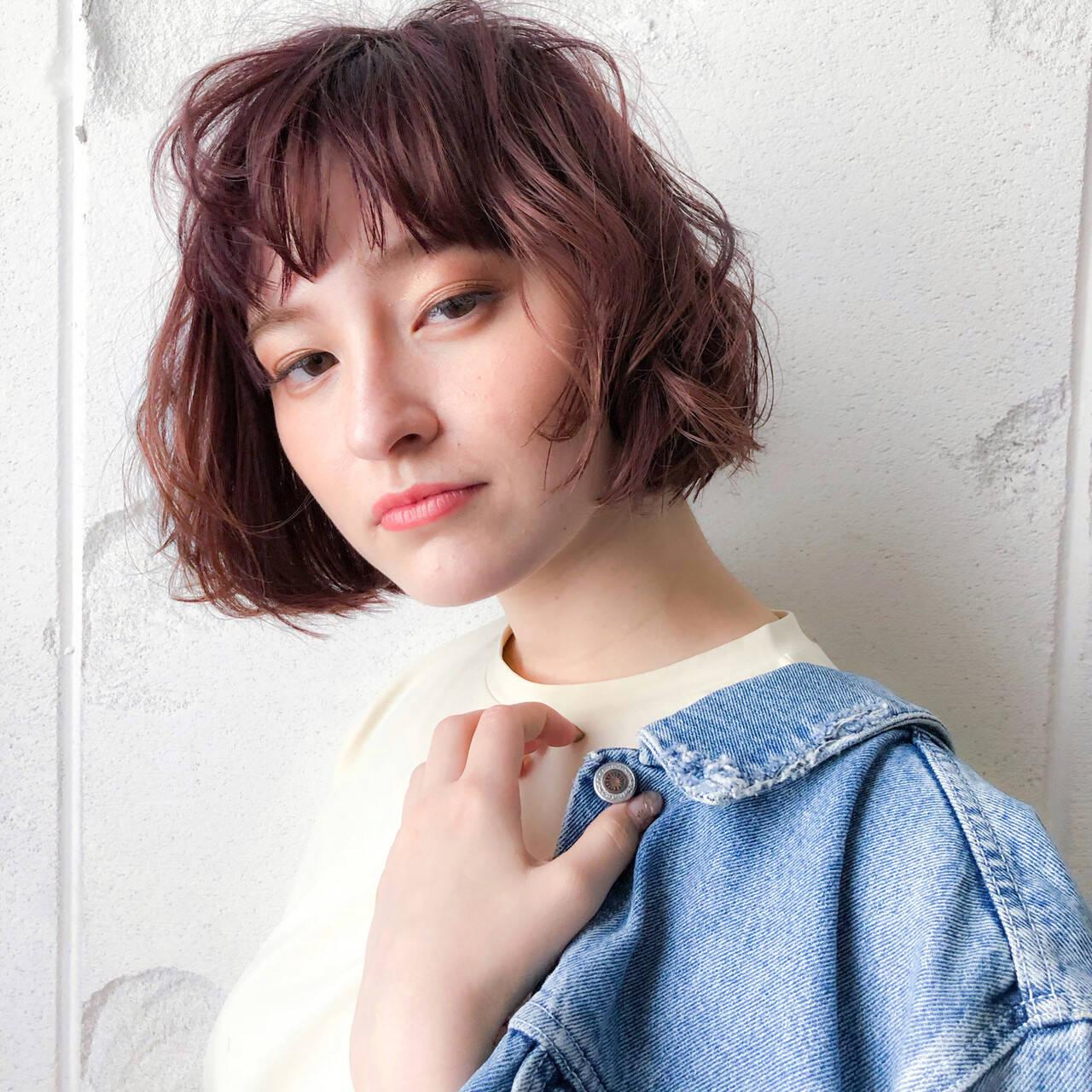 パーマ 小顔ヘア ピンクベージュ ボブヘアスタイルや髪型の写真・画像