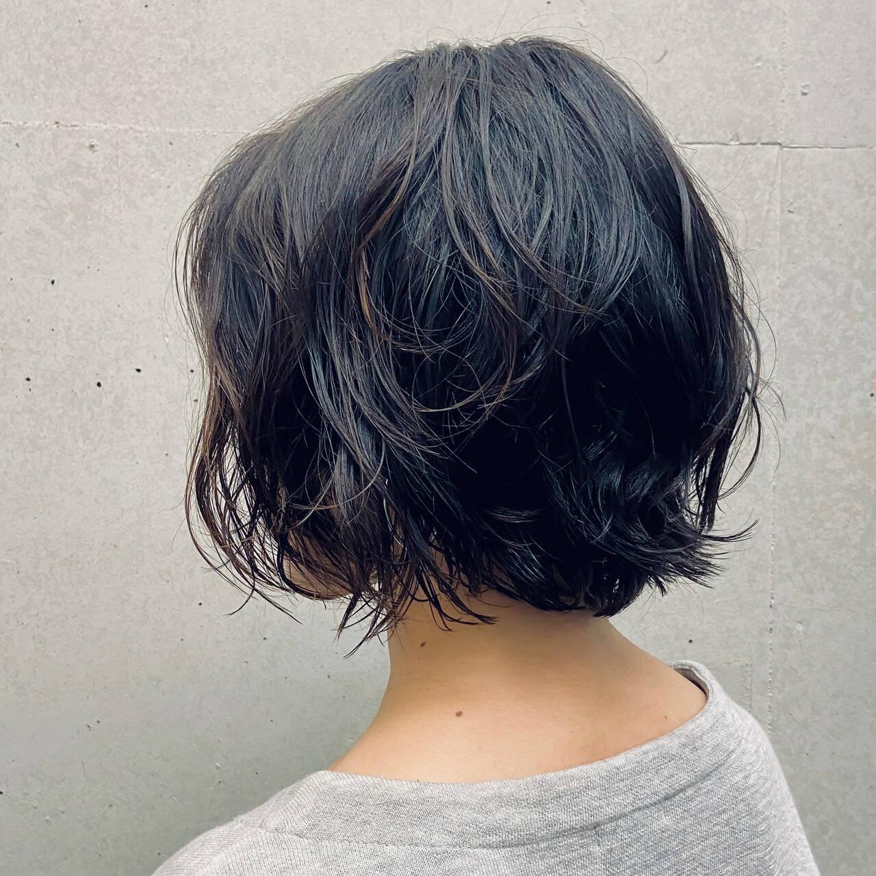 無造作パーマ 大人女子 パーマ 外ハネボブヘアスタイルや髪型の写真・画像