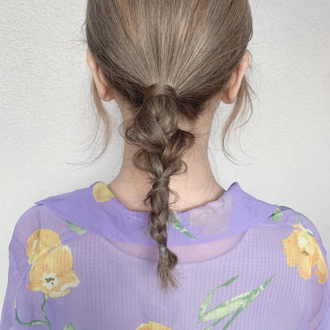 フェミニン ミディアム ベージュ ブラウンベージュヘアスタイルや髪型の写真・画像