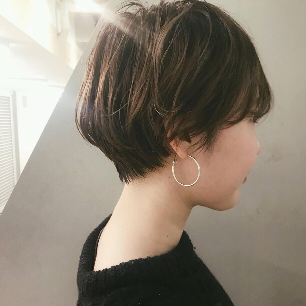 ショートボブ ナチュラル ブリーチ ショートヘアスタイルや髪型の写真・画像