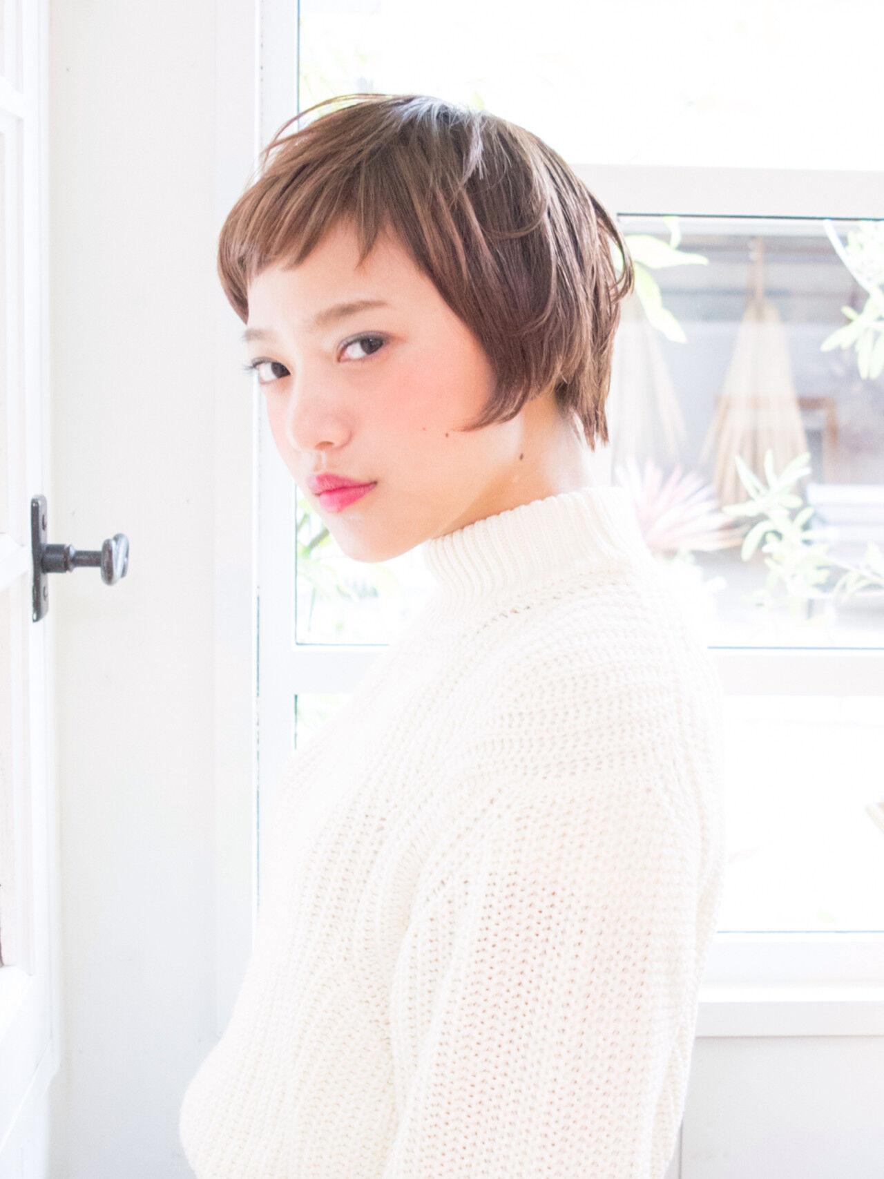 ショート ガーリー 外国人風 オン眉ヘアスタイルや髪型の写真・画像