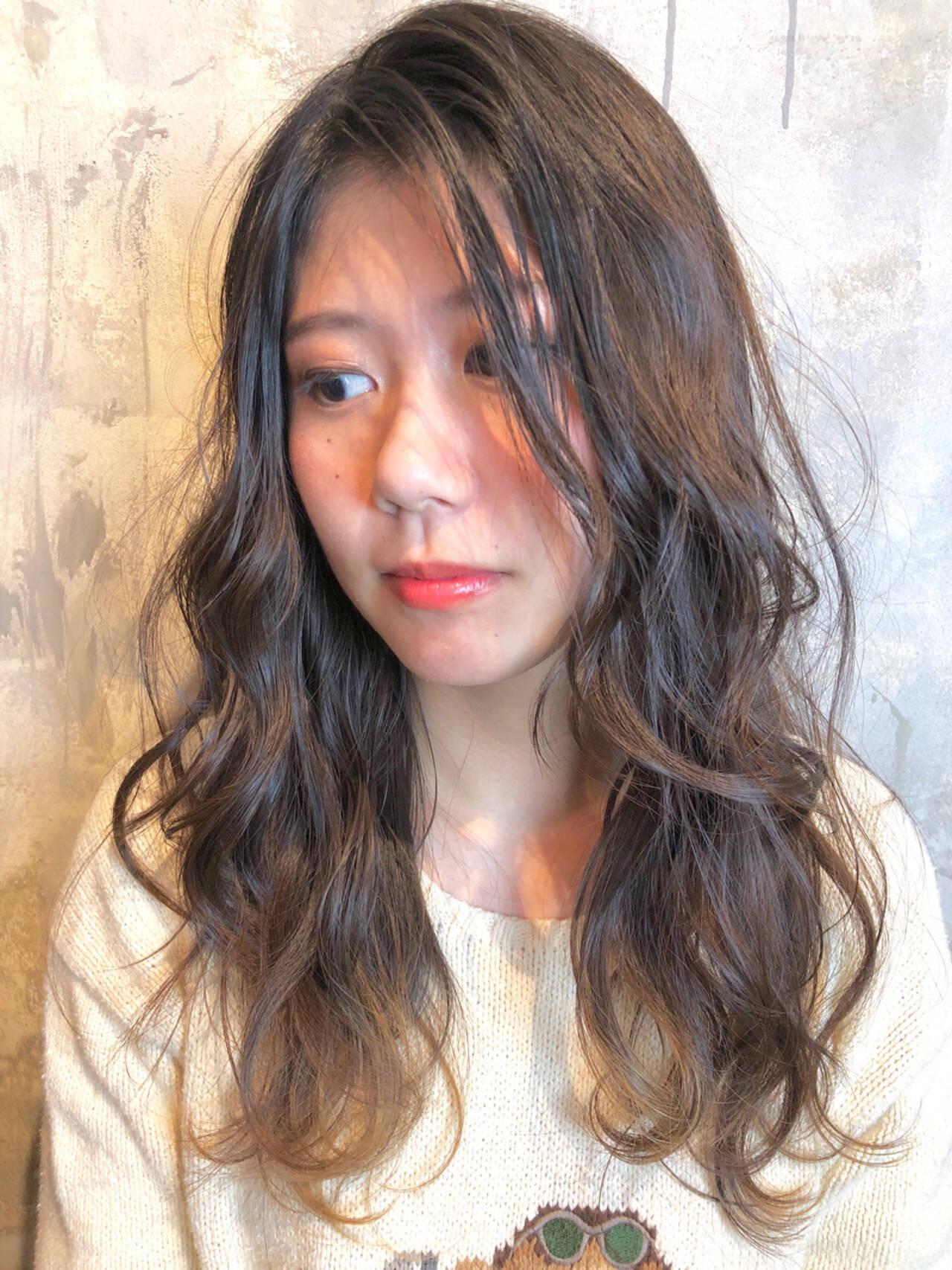 ヘアアレンジ ナチュラル ゆるふわ ウェーブヘアスタイルや髪型の写真・画像