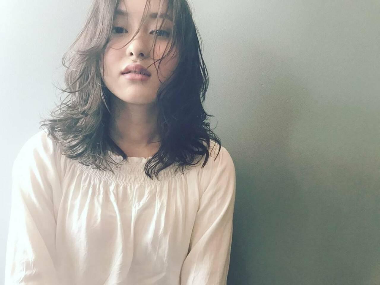 パーマ ウェーブ リラックス アンニュイヘアスタイルや髪型の写真・画像
