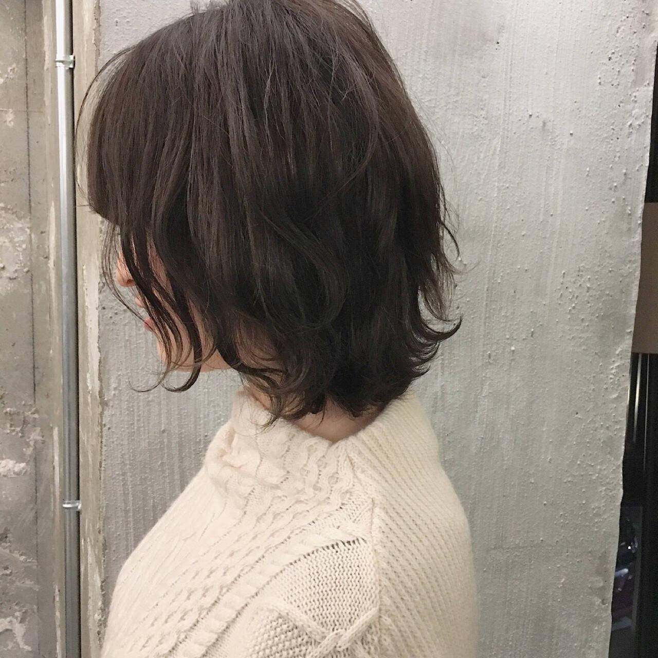 オフィス ショート 謝恩会 前髪ありヘアスタイルや髪型の写真・画像
