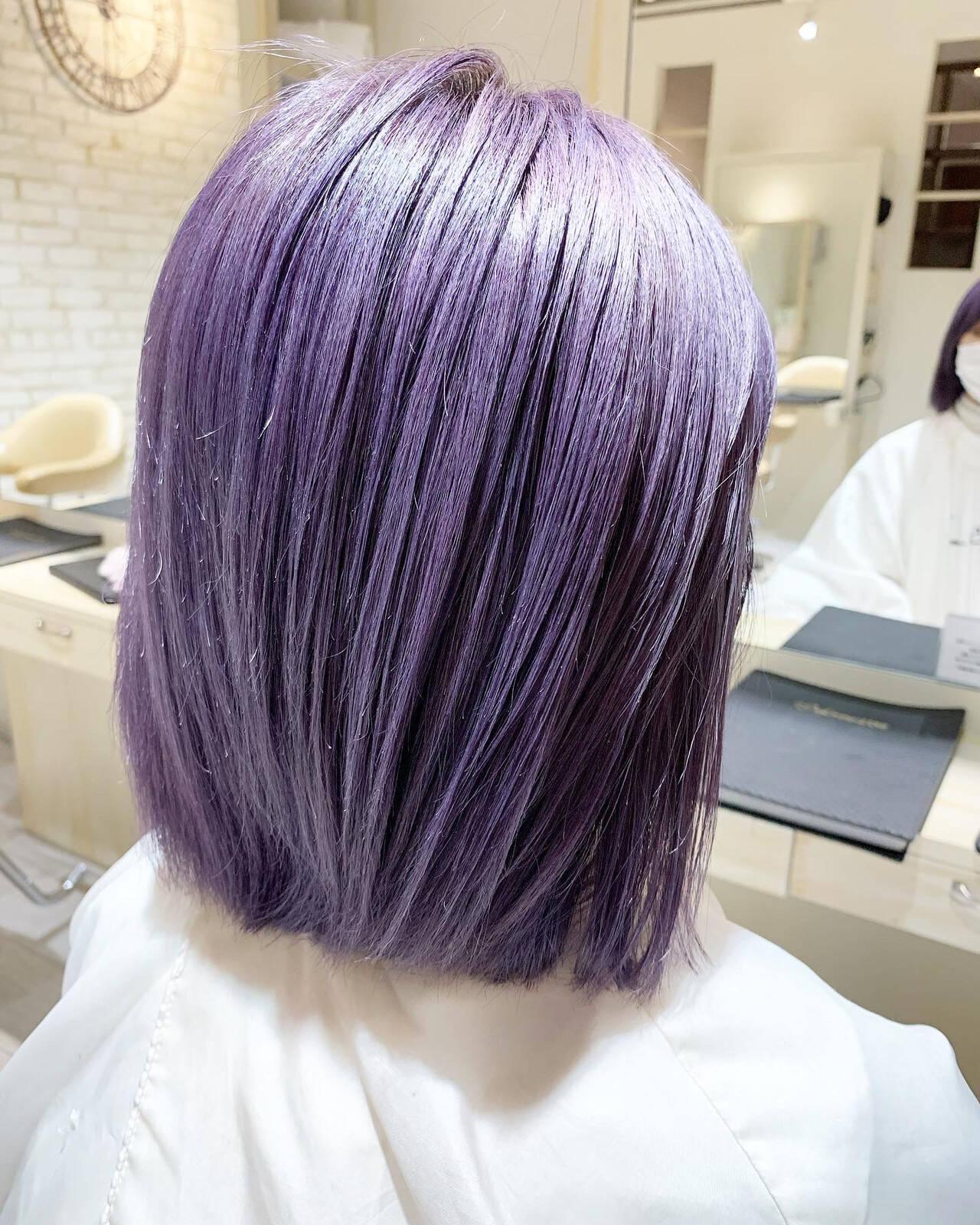 デザインカラー 切りっぱなしボブ ラベンダーカラー パープルカラーヘアスタイルや髪型の写真・画像