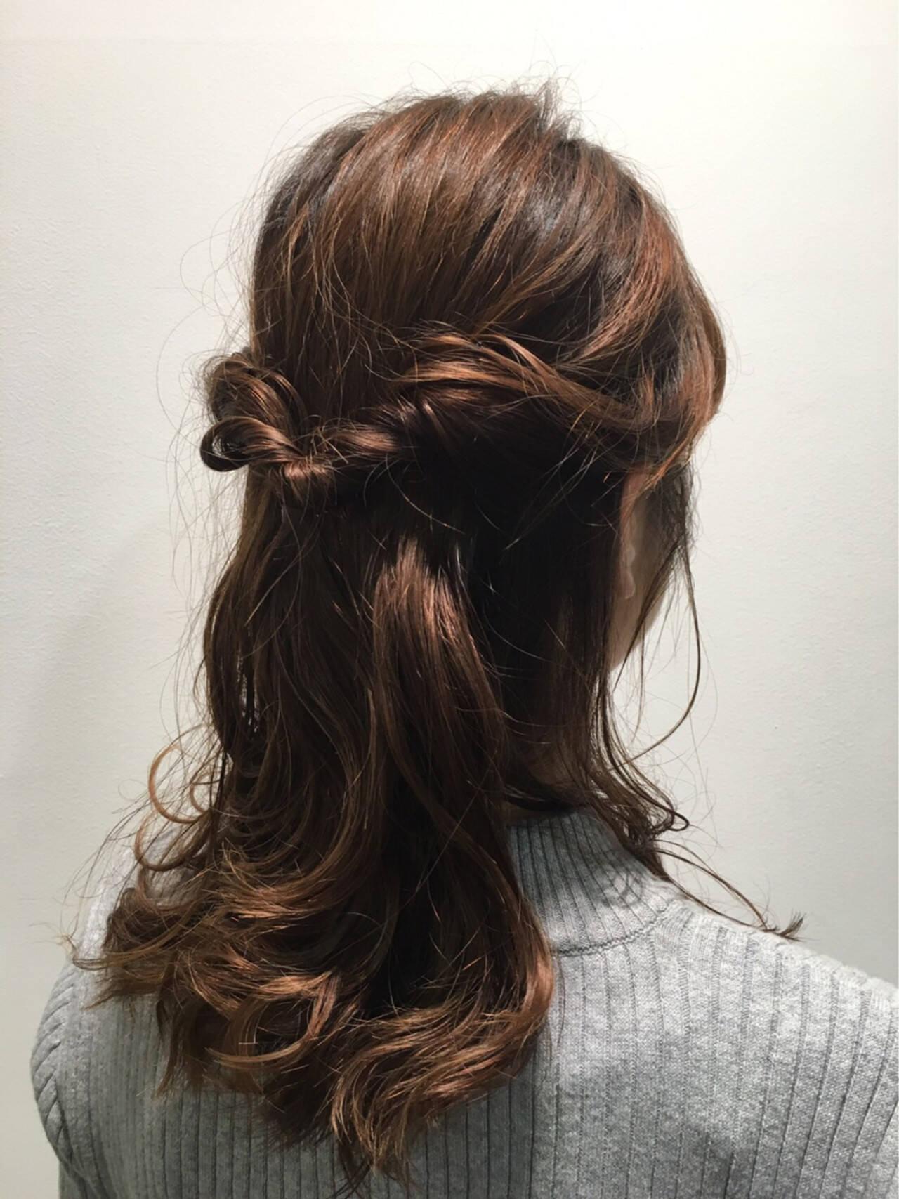 ナチュラル ハーフアップ 大人かわいい ミディアムヘアスタイルや髪型の写真・画像