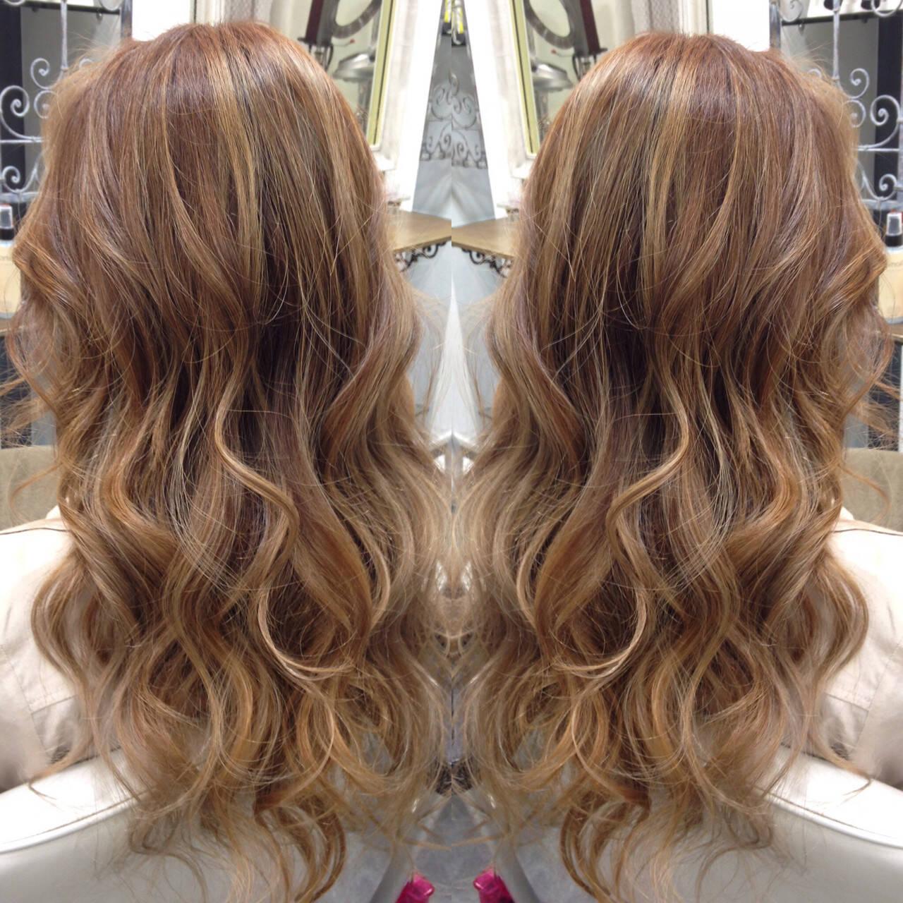 ロング ダブルカラー グラデーションカラー ガーリーヘアスタイルや髪型の写真・画像
