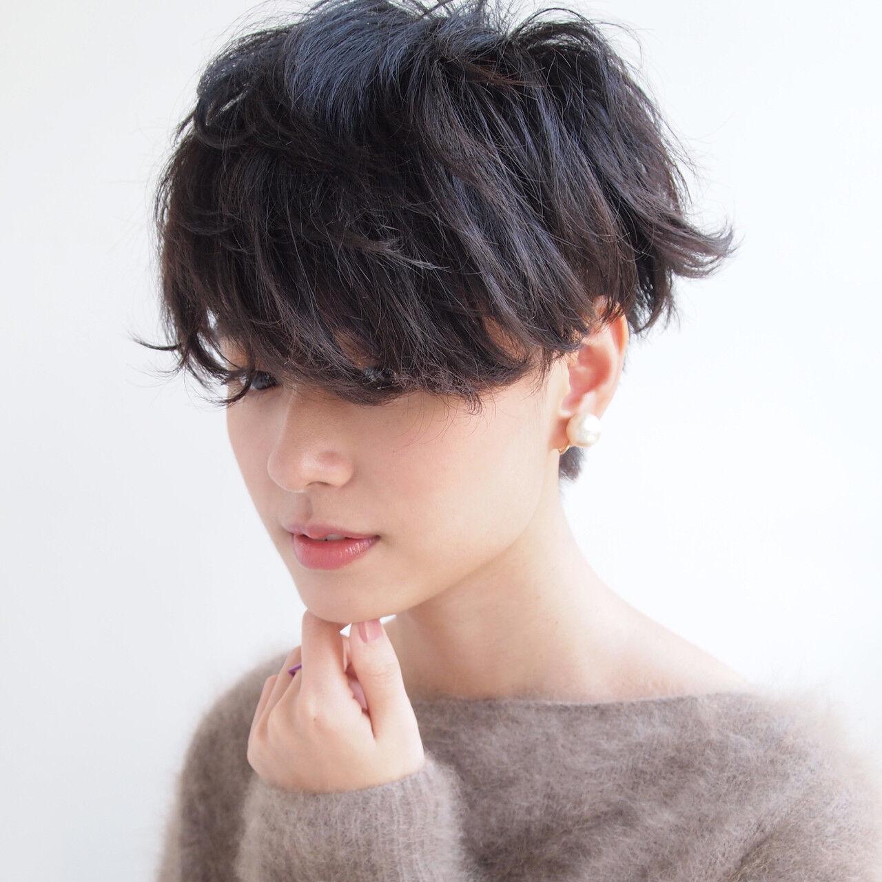 マニッシュ くせ毛風 モード ボーイッシュヘアスタイルや髪型の写真・画像