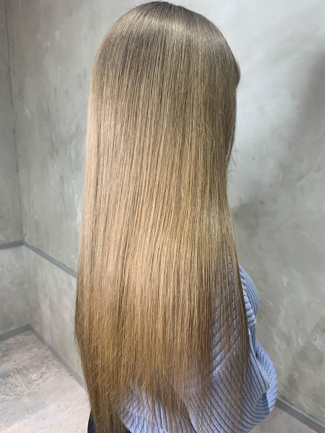 ハイトーンカラー ヌーディーベージュ エレガント ロングヘアスタイルや髪型の写真・画像