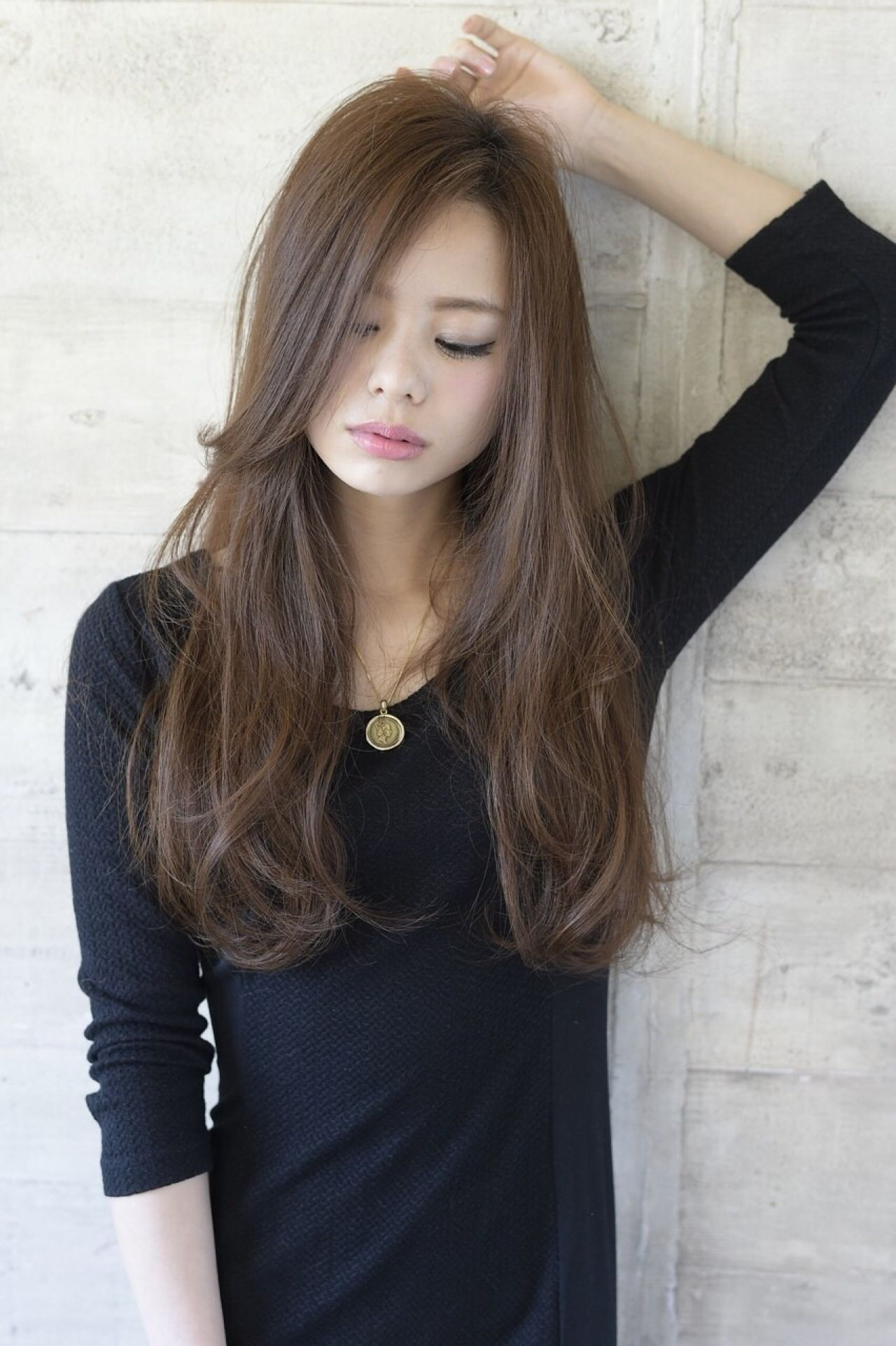 ナチュラル ロング 暗髪 渋谷系ヘアスタイルや髪型の写真・画像