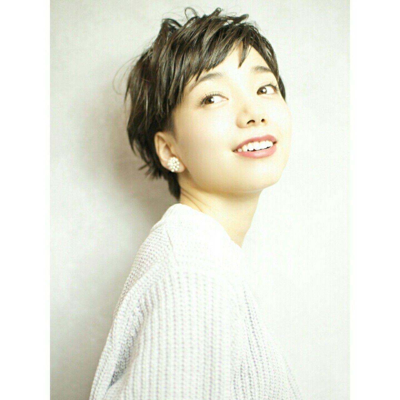 小顔 大人かわいい 外国人風 無造作ヘアスタイルや髪型の写真・画像
