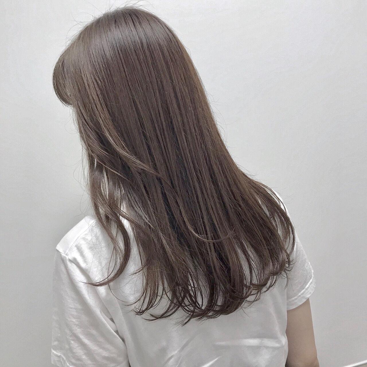 大人カジュアル 福岡市 ロング ラベンダーアッシュヘアスタイルや髪型の写真・画像
