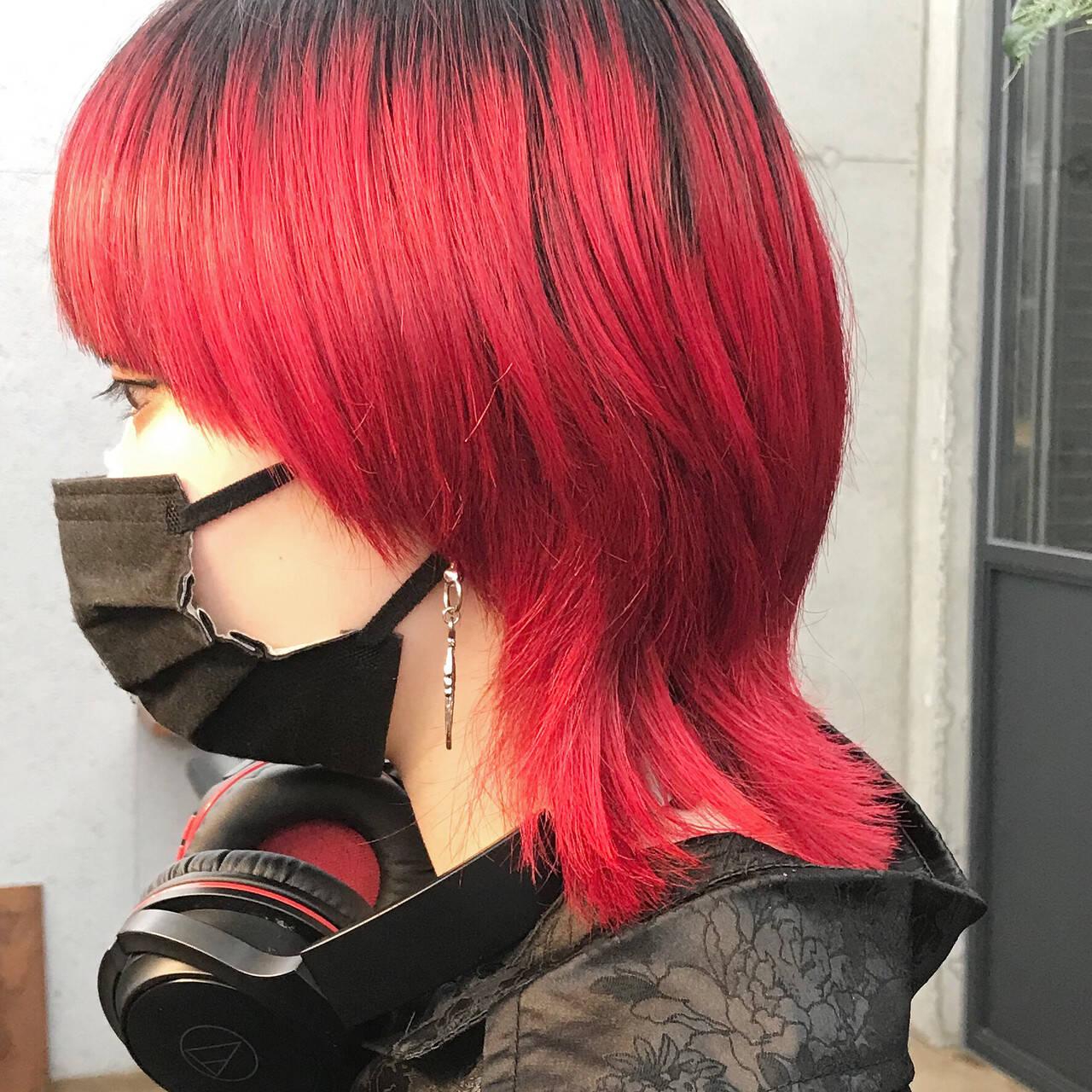 マッシュウルフ モード ウルフ女子 ミディアムヘアスタイルや髪型の写真・画像