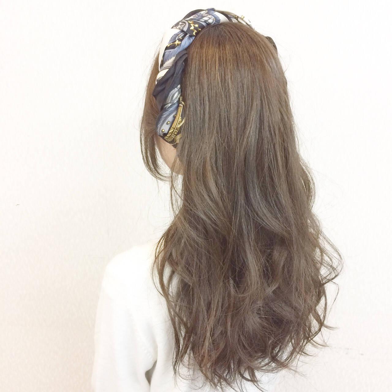 ゆるふわ セミロング ヘアアレンジ 二次会ヘアスタイルや髪型の写真・画像