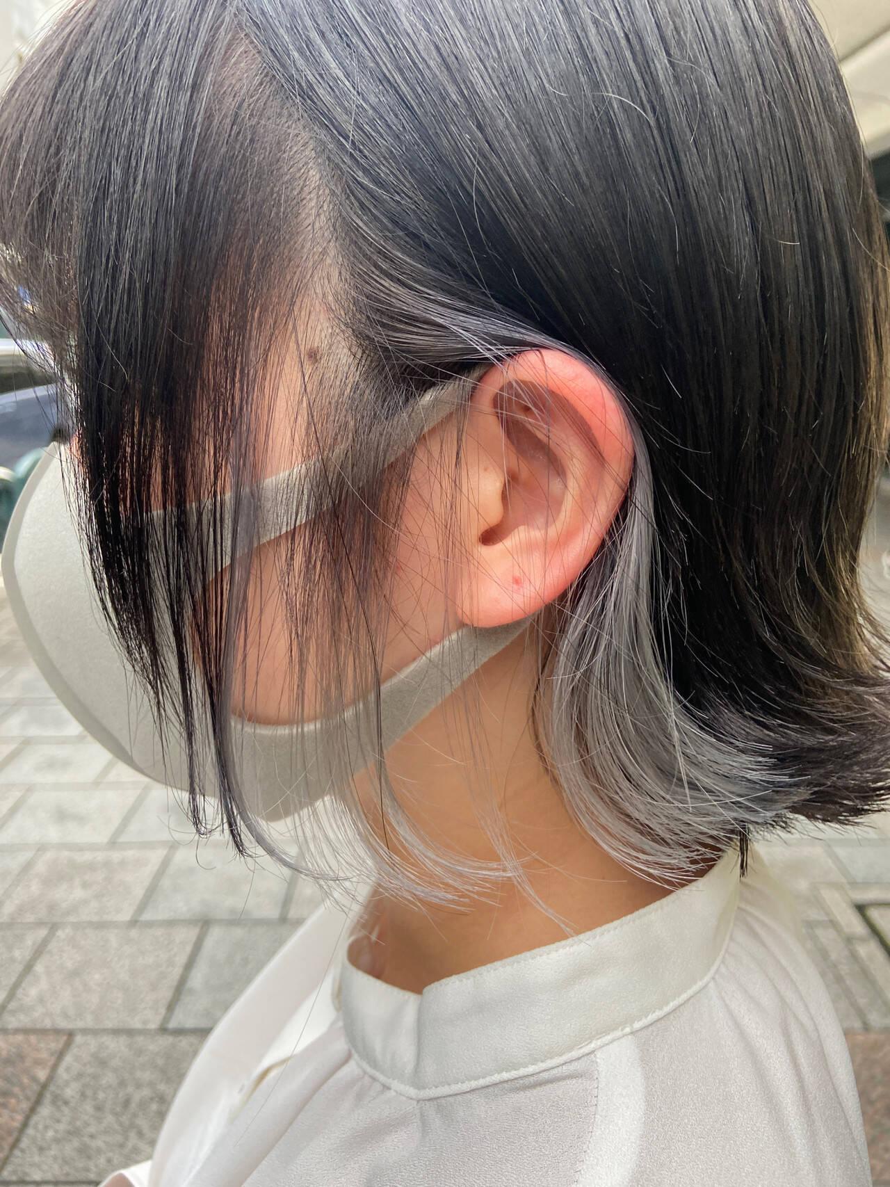 ナチュラル ホワイトブリーチ ミディアム インナーカラーヘアスタイルや髪型の写真・画像