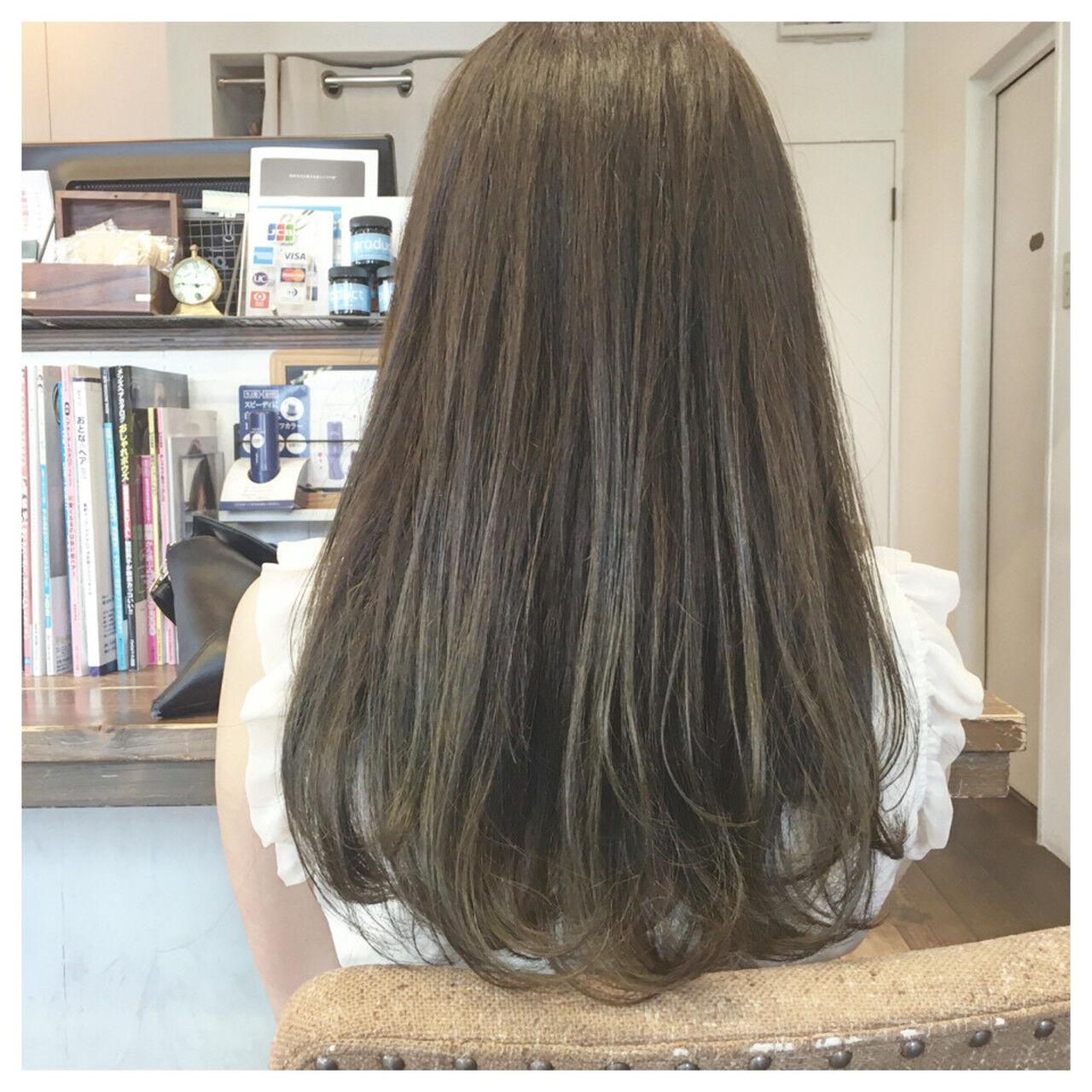 ストリート アッシュ グレージュ ロングヘアスタイルや髪型の写真・画像
