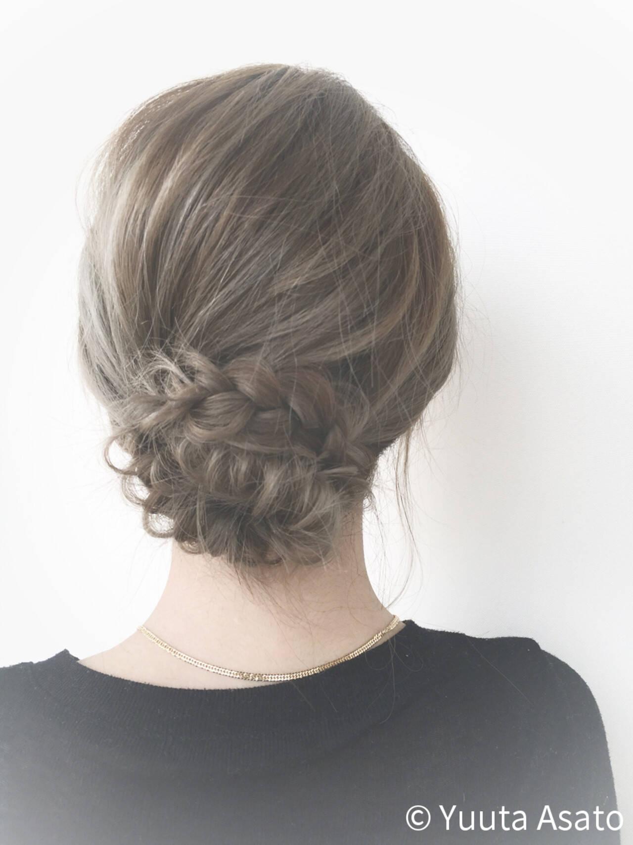 フィッシュボーン ショート 外国人風 編み込みヘアスタイルや髪型の写真・画像