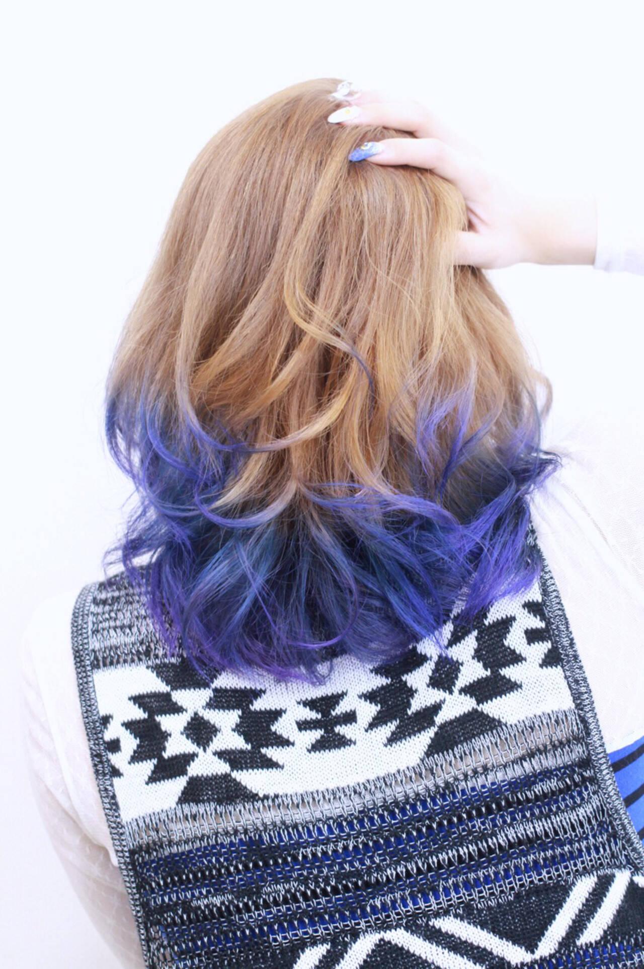 ブルー 透明感 グラデーションカラー ストリートヘアスタイルや髪型の写真・画像