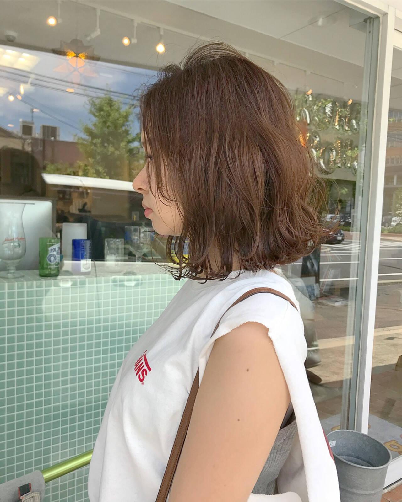 ミディアム デート ロブ 外ハネヘアスタイルや髪型の写真・画像