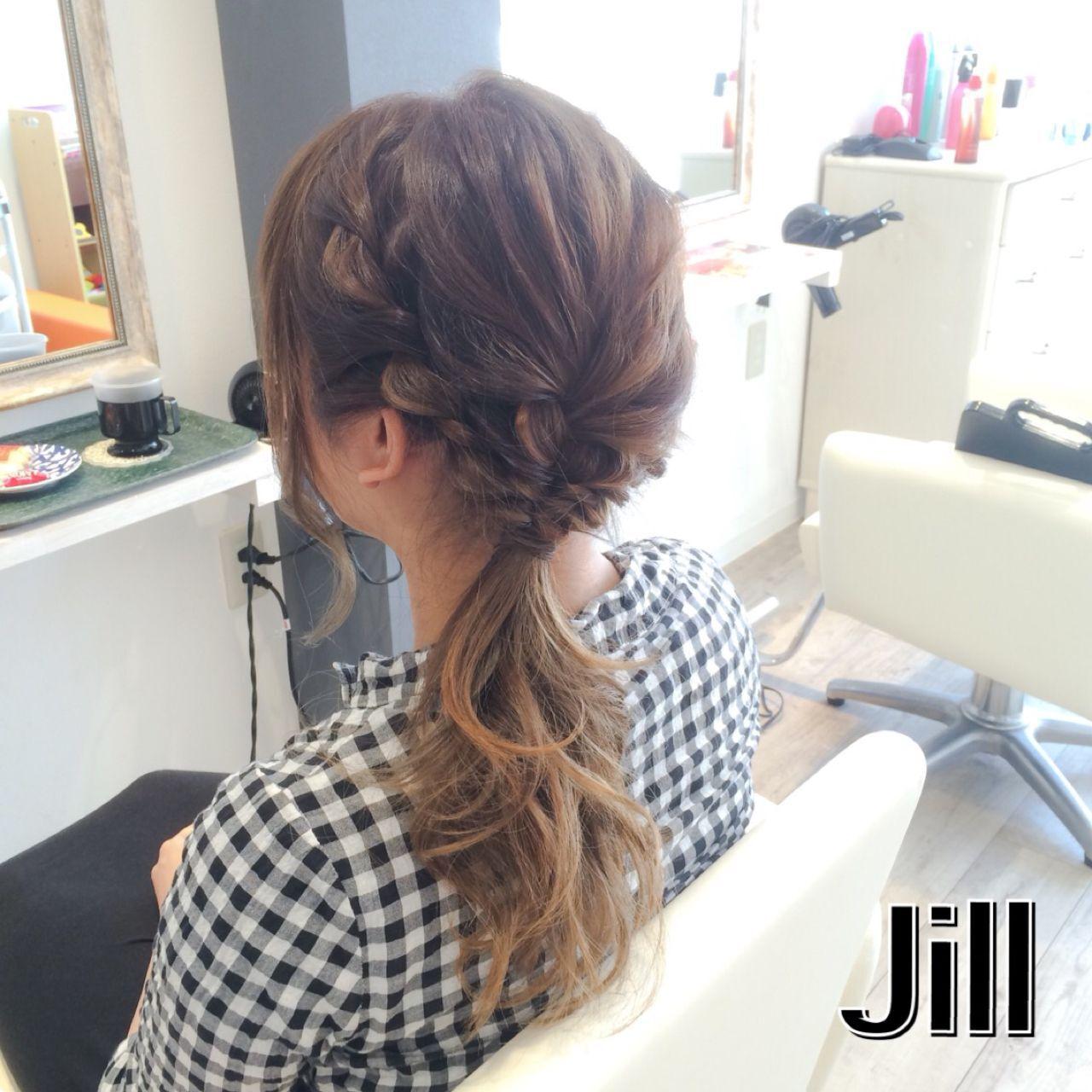 ストリート ヘアアレンジ ローポニーテール ロープ編みヘアスタイルや髪型の写真・画像