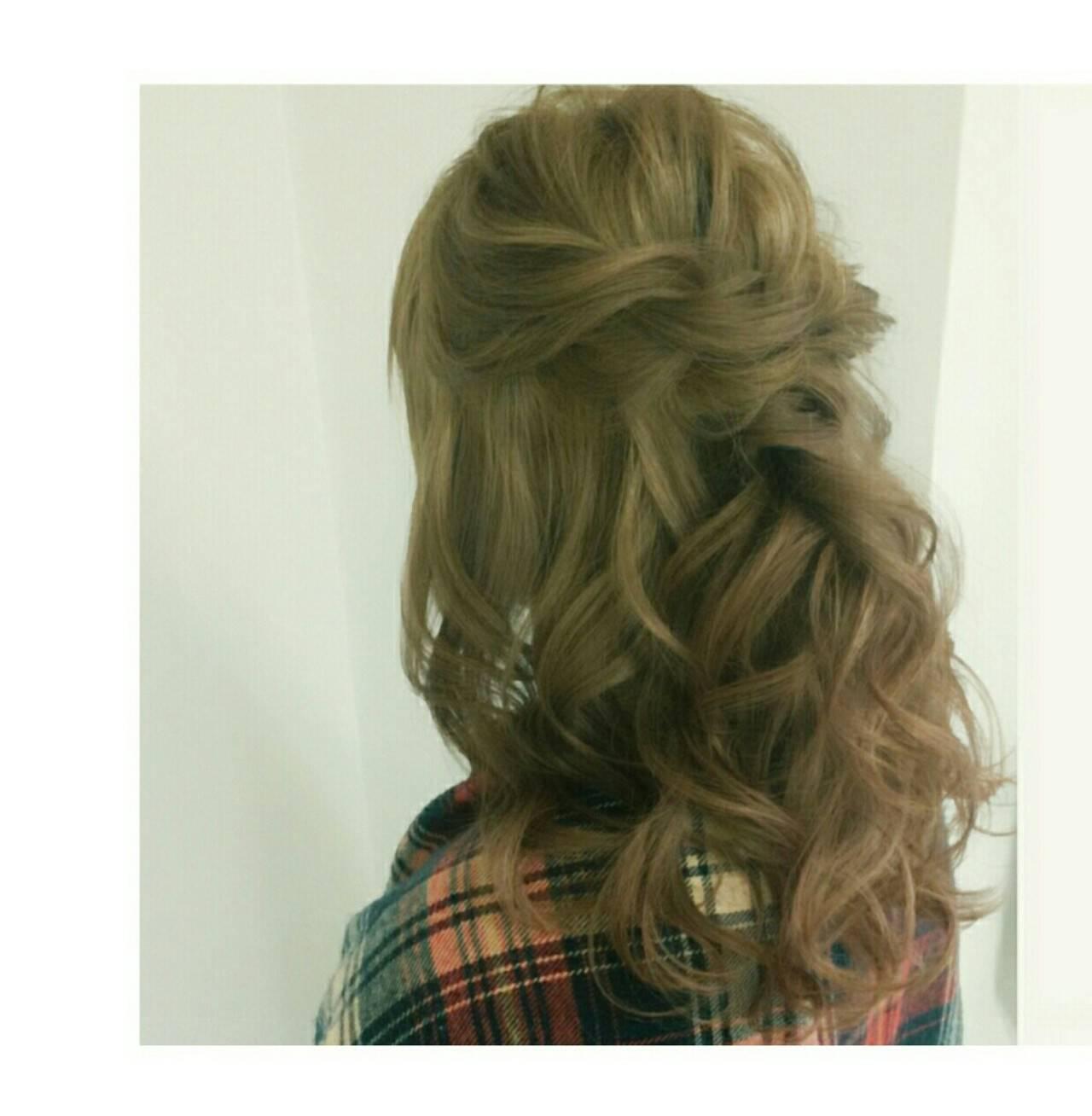 ゆるふわ ハーフアップ ツイスト ミディアムヘアスタイルや髪型の写真・画像