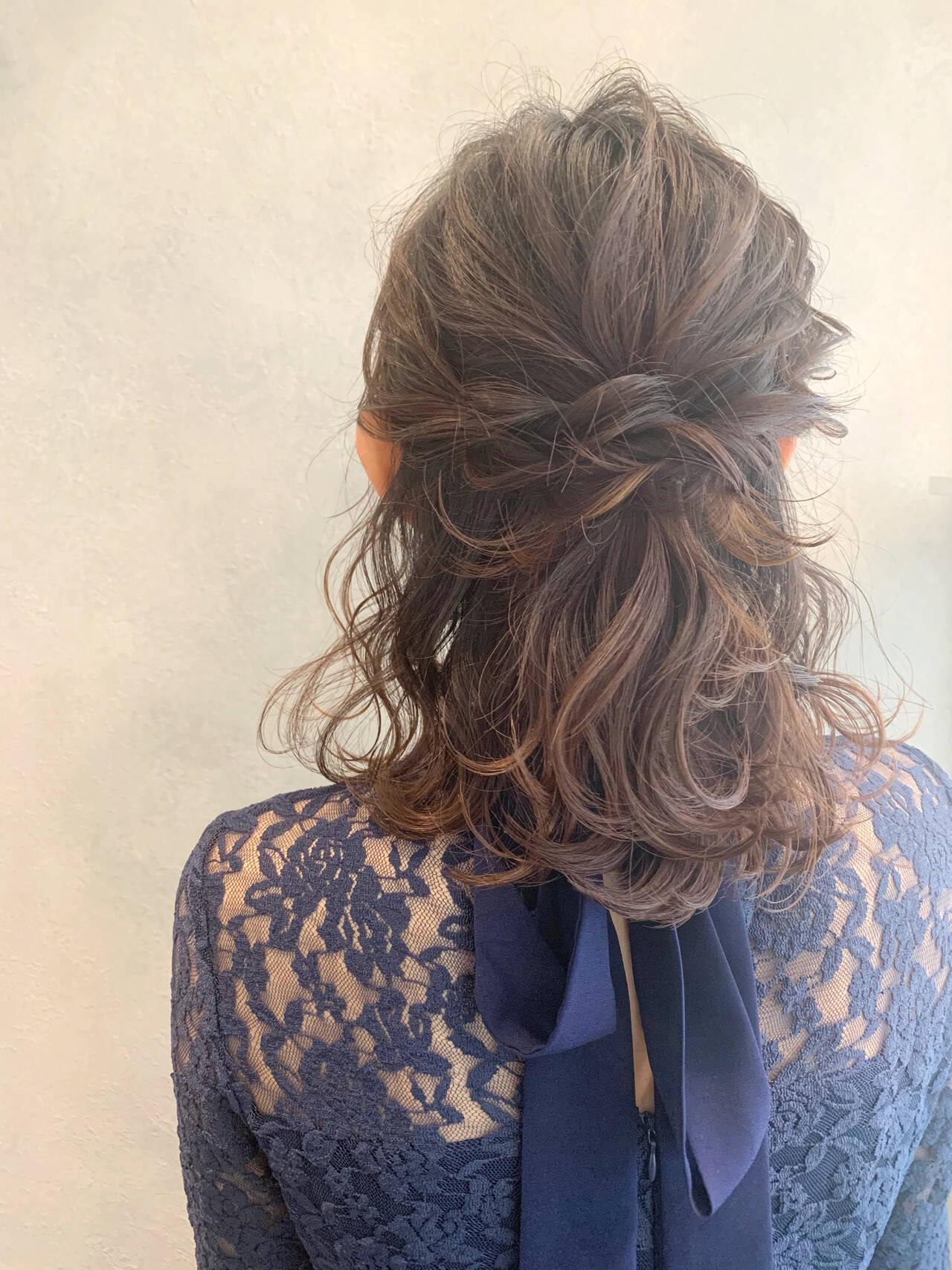 ガーリー ヘアアレンジ ふわふわヘアアレンジ ハーフアップヘアスタイルや髪型の写真・画像