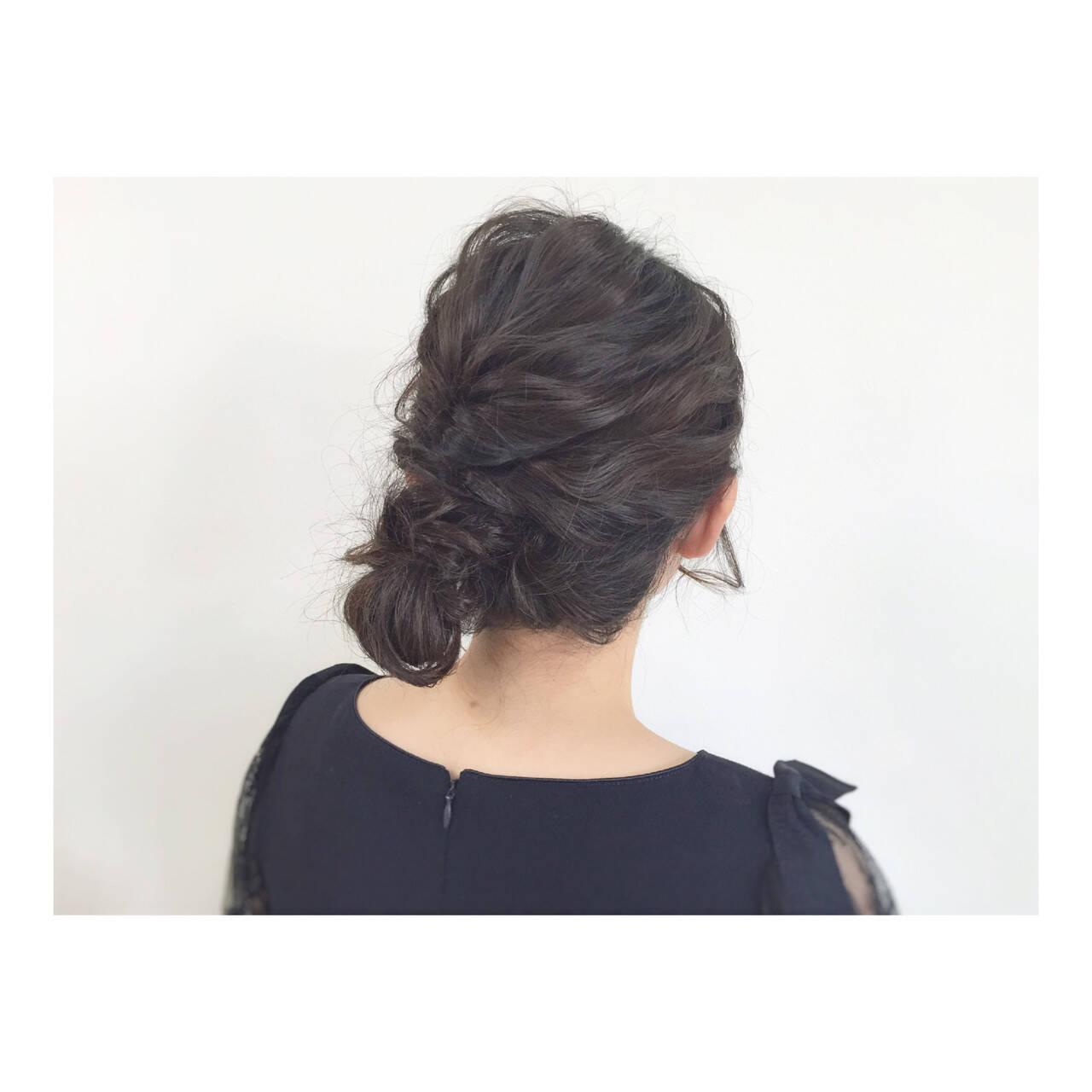 ヘアアレンジ ミディアム 大人かわいい シニヨンヘアスタイルや髪型の写真・画像