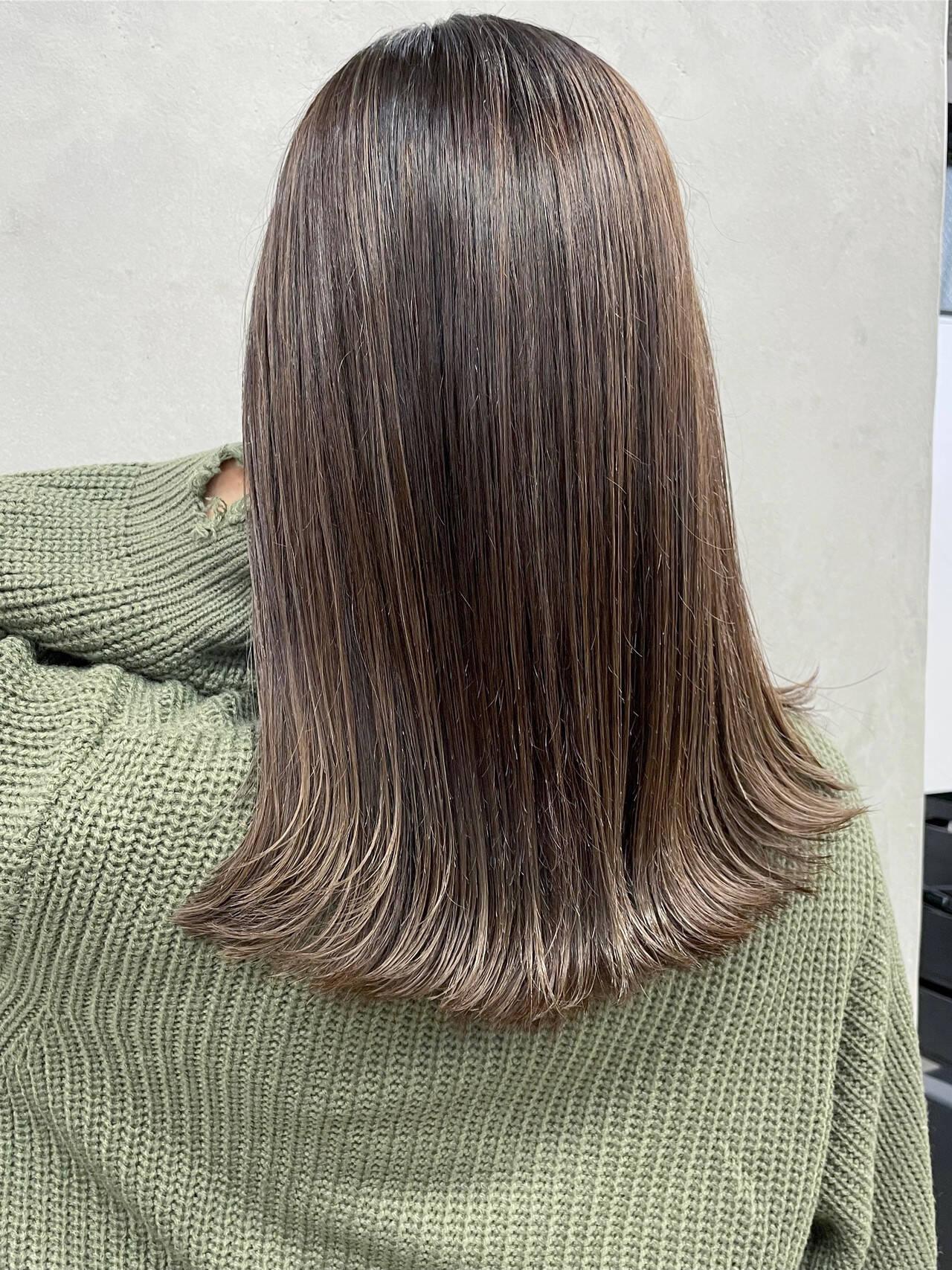 ベリーショート ショートボブ ナチュラル セミロングヘアスタイルや髪型の写真・画像