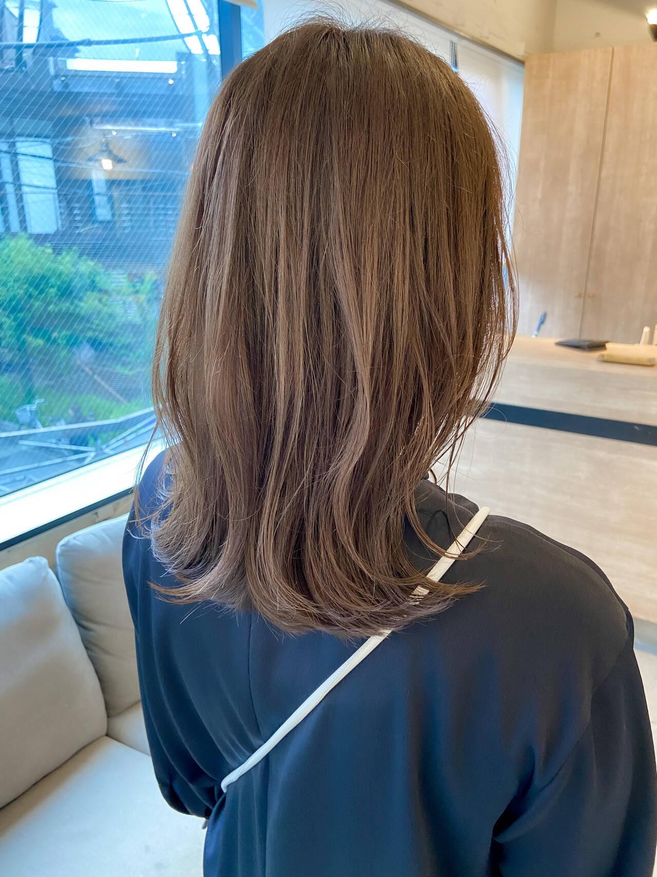 極細ハイライト アンニュイほつれヘア くびれボブ ミディアムレイヤーヘアスタイルや髪型の写真・画像