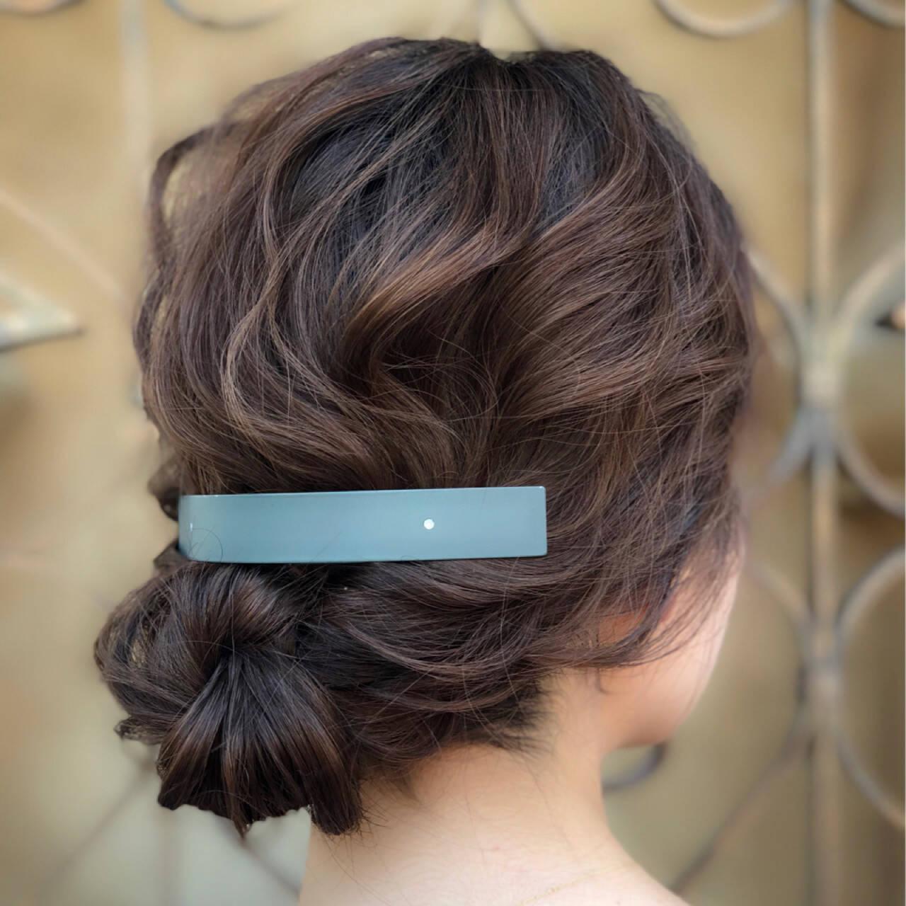 ナチュラル シニヨン ヘアアレンジ 夏ヘアスタイルや髪型の写真・画像