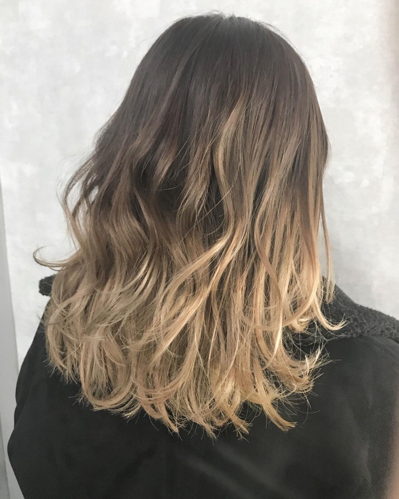 モード ミルクティーベージュ ダブルカラー ミディアムヘアスタイルや髪型の写真・画像